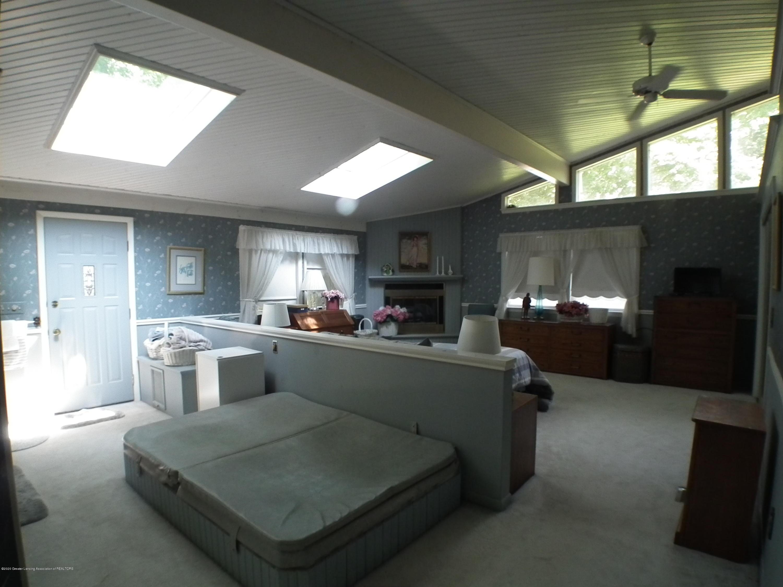5600 Grand River Dr - Master bedroom a - 29