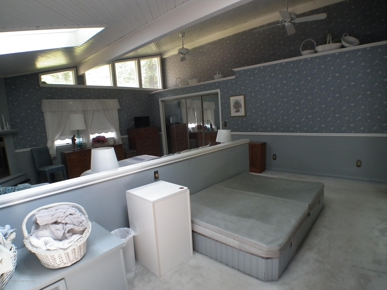 5600 Grand River Dr - Master bedroom b - 30