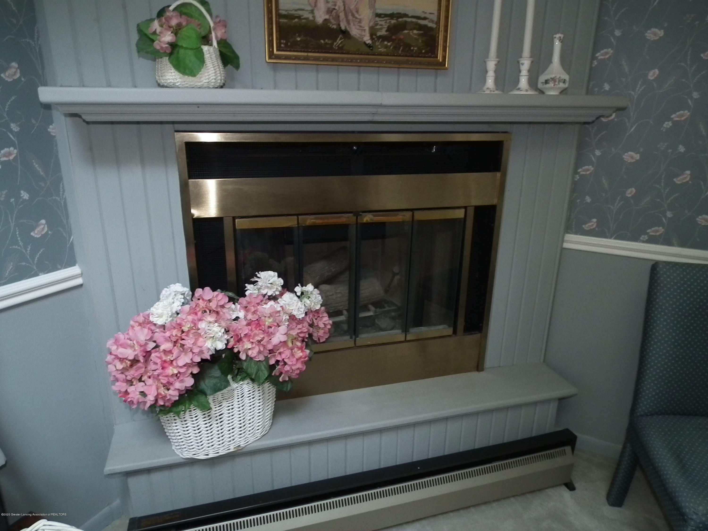 5600 Grand River Dr - Master bedroom Hearth - 34