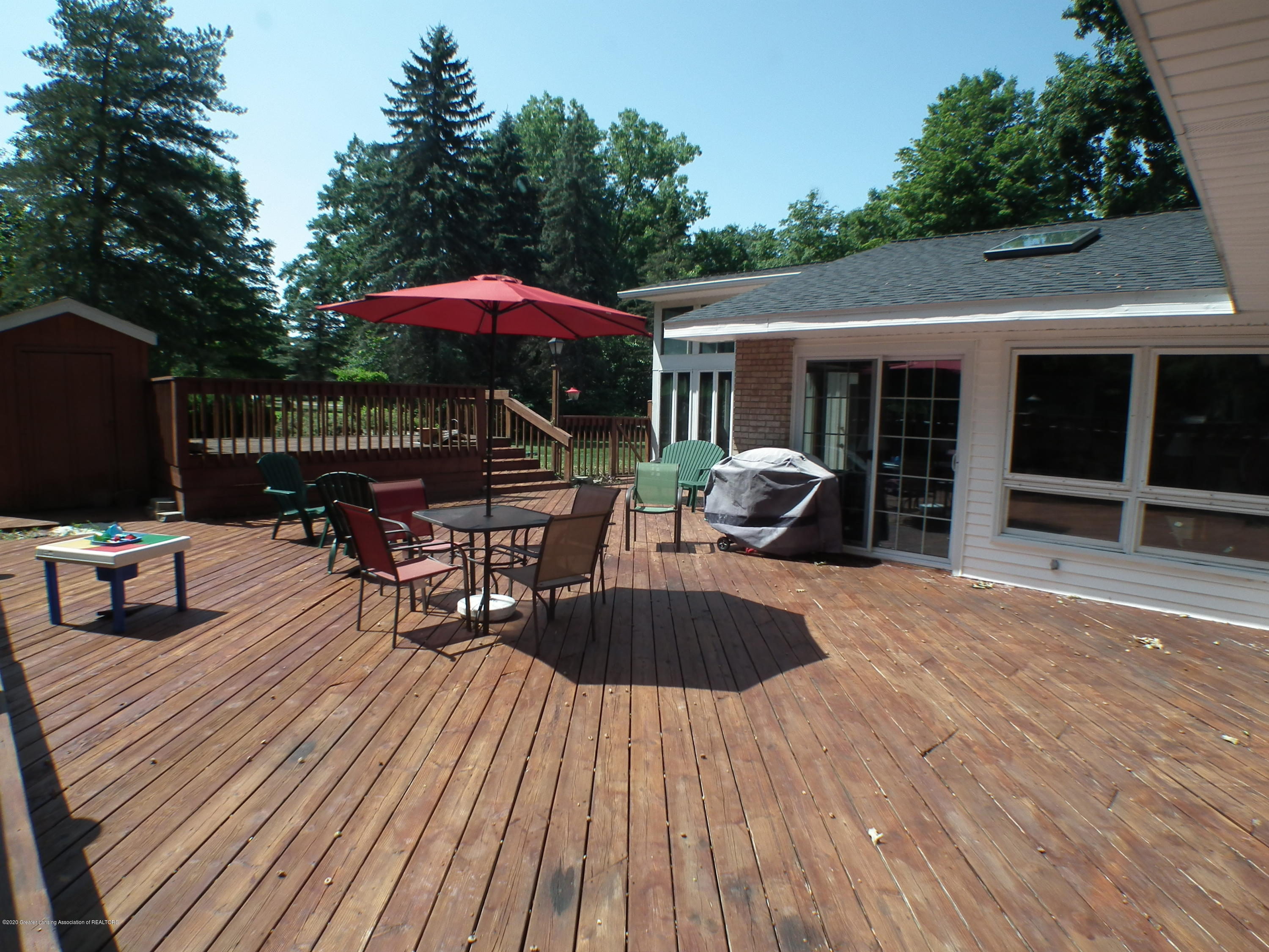 5600 Grand River Dr - Deck area b - 40