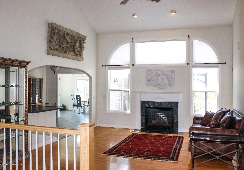 1086 Williamsburg Ct - Living Room - 5