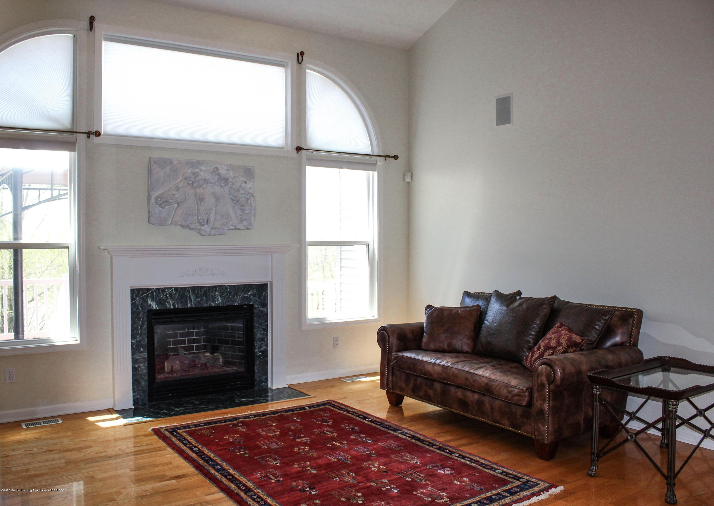 1086 Williamsburg Ct - Living Room - 8
