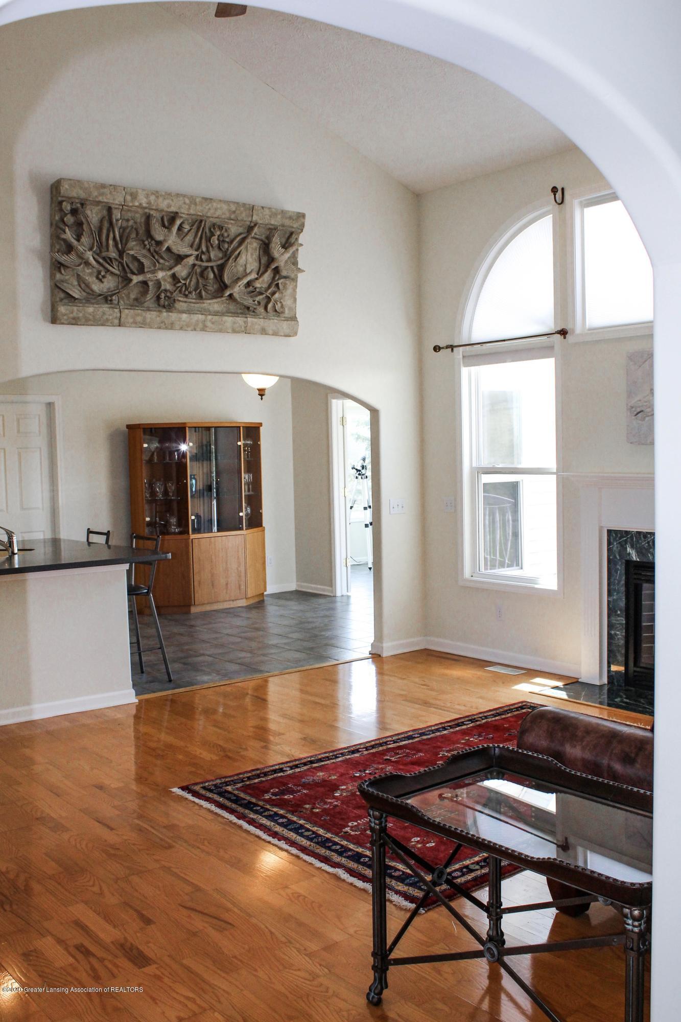 1086 Williamsburg Ct - Living Room - 11