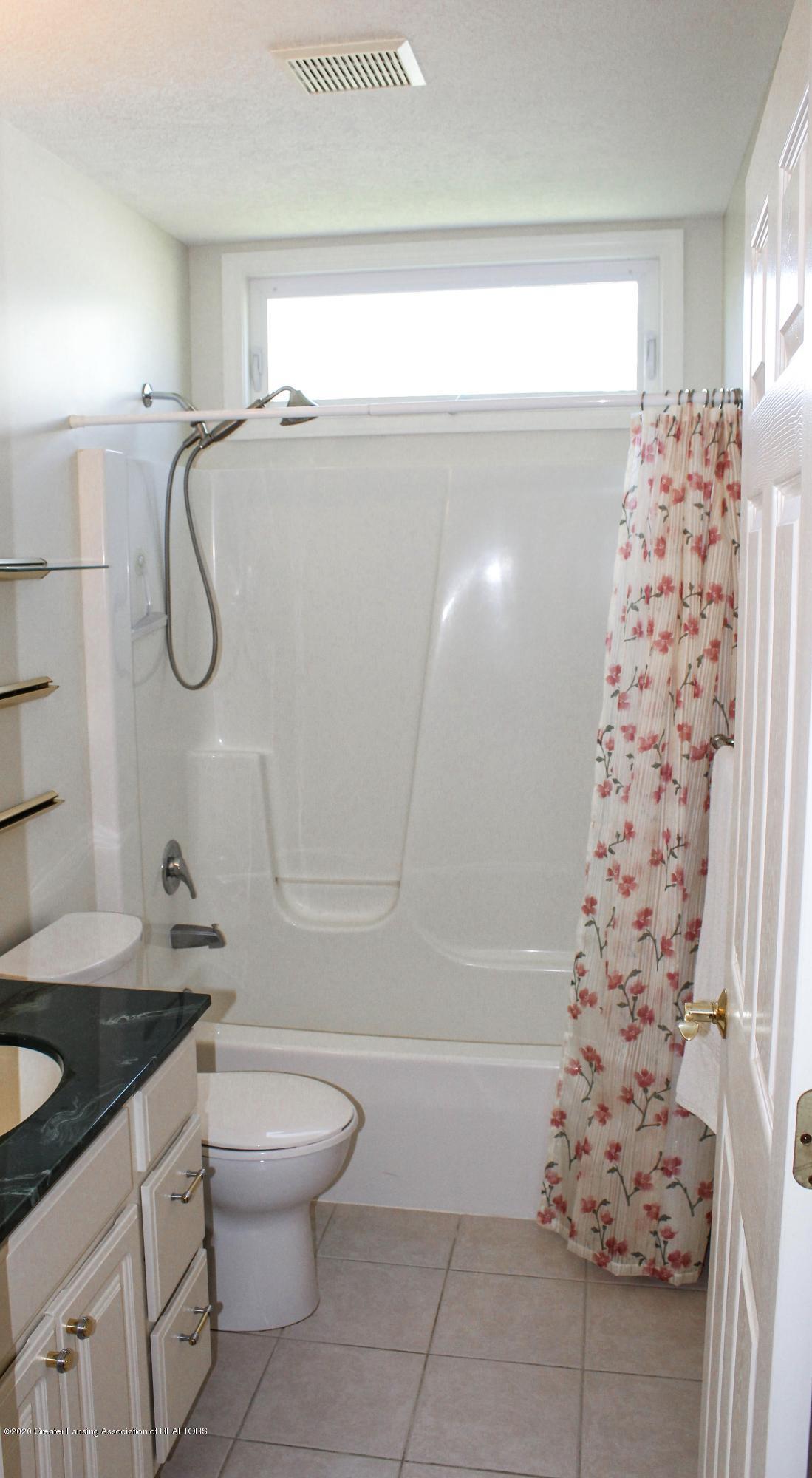 1086 Williamsburg Ct - Bathroom 2 - 31