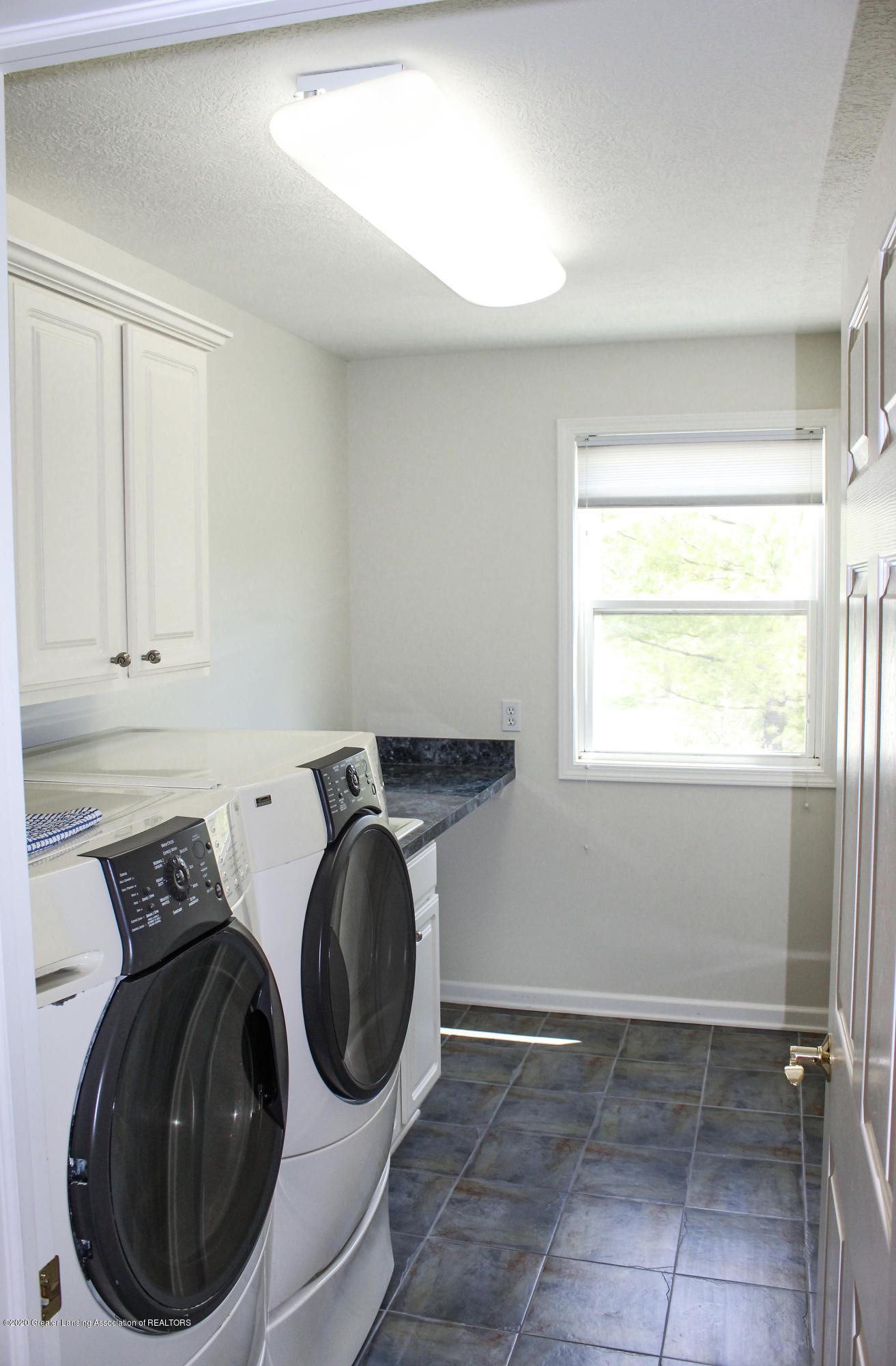 1086 Williamsburg Ct - Laundry Room - 36