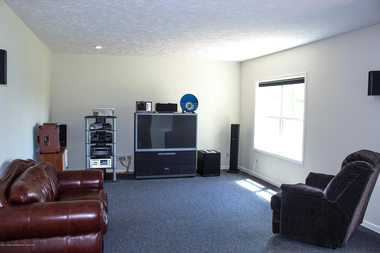 1086 Williamsburg Ct - Family Room - 38