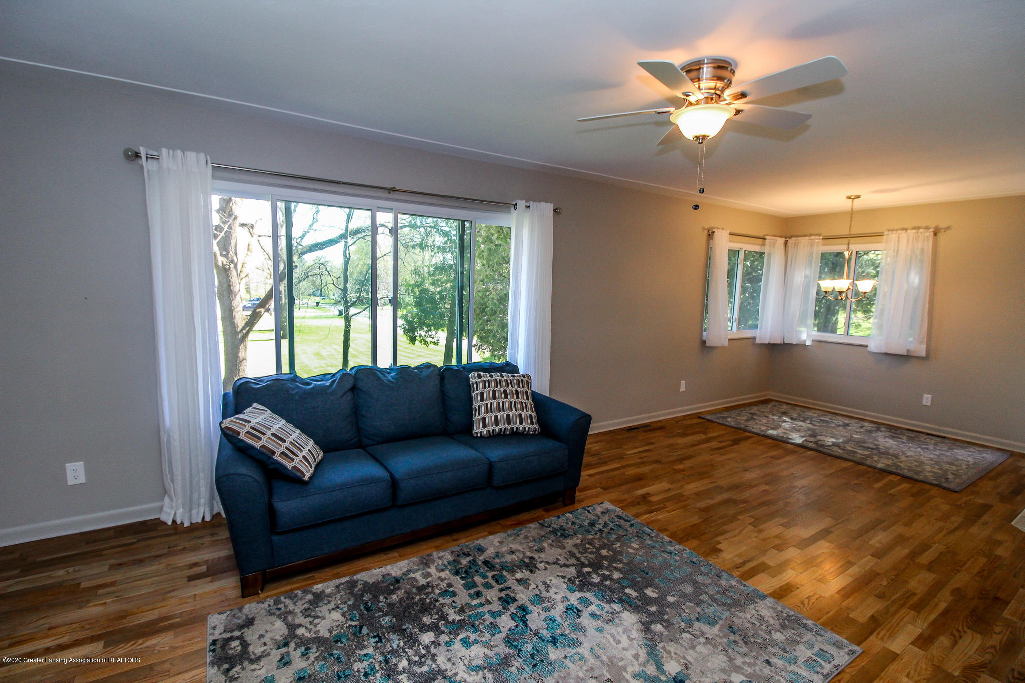 13259 Allen St - Living Room - 12