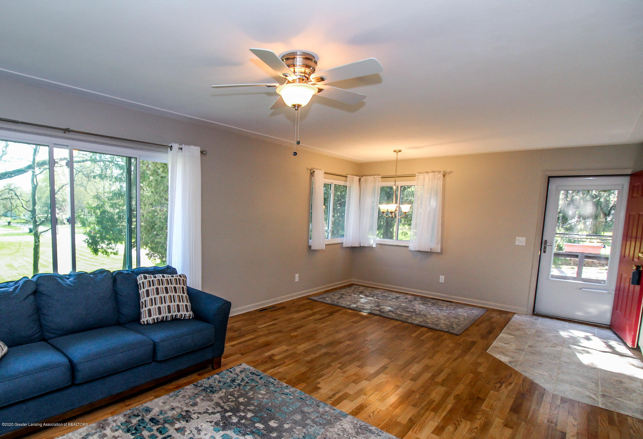 13259 Allen St - Living Room - 13
