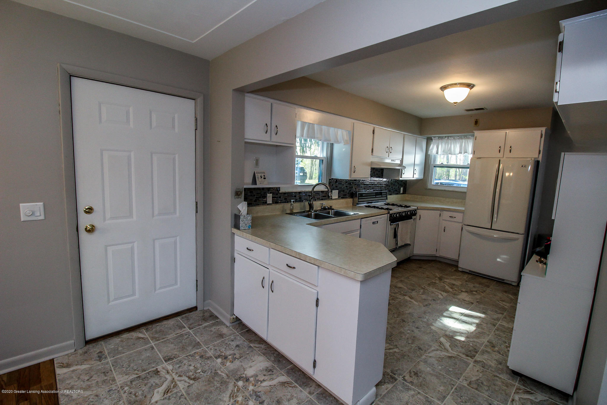 13259 Allen St - Kitchen - 15