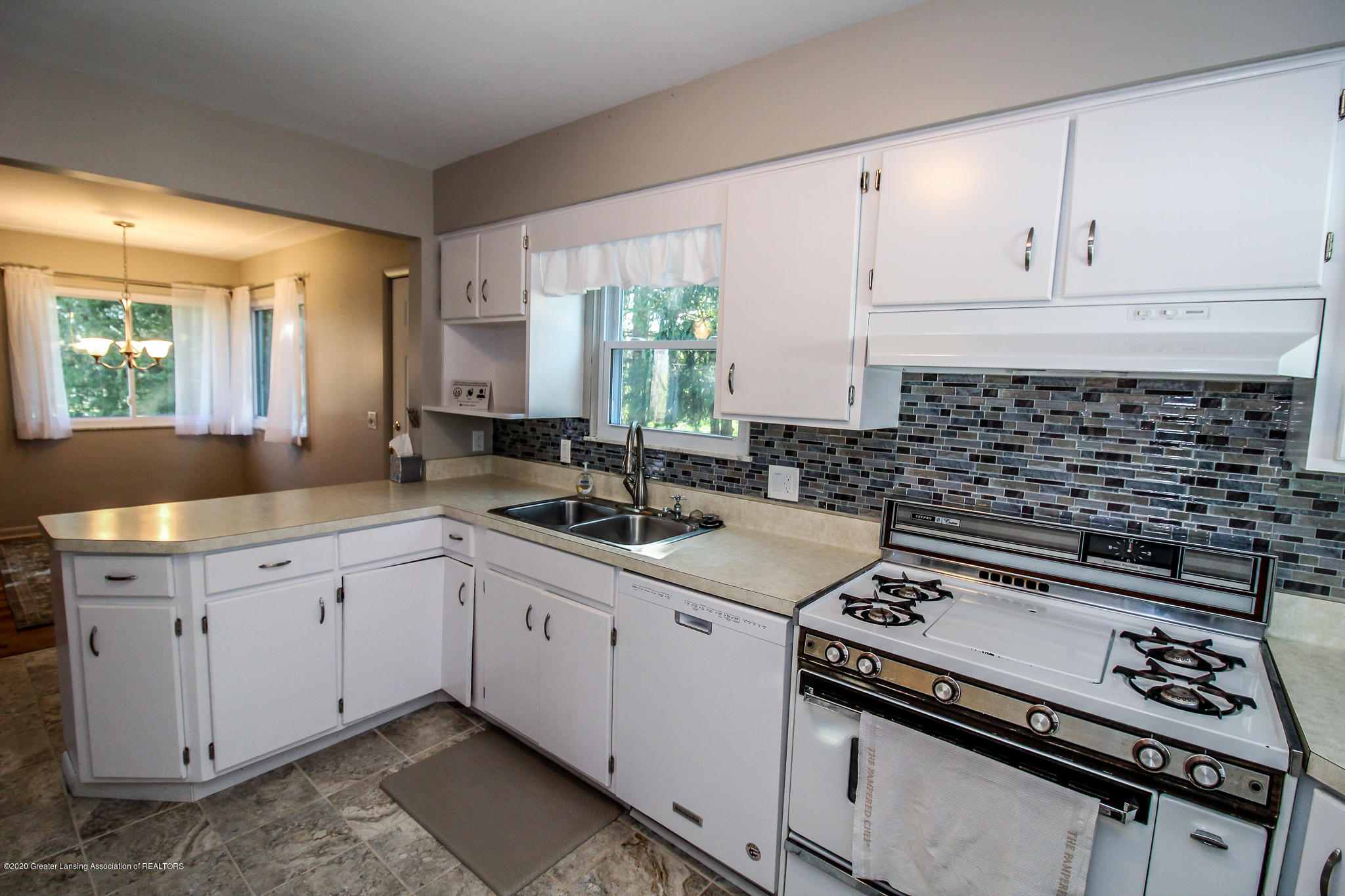 13259 Allen St - Kitchen - 18