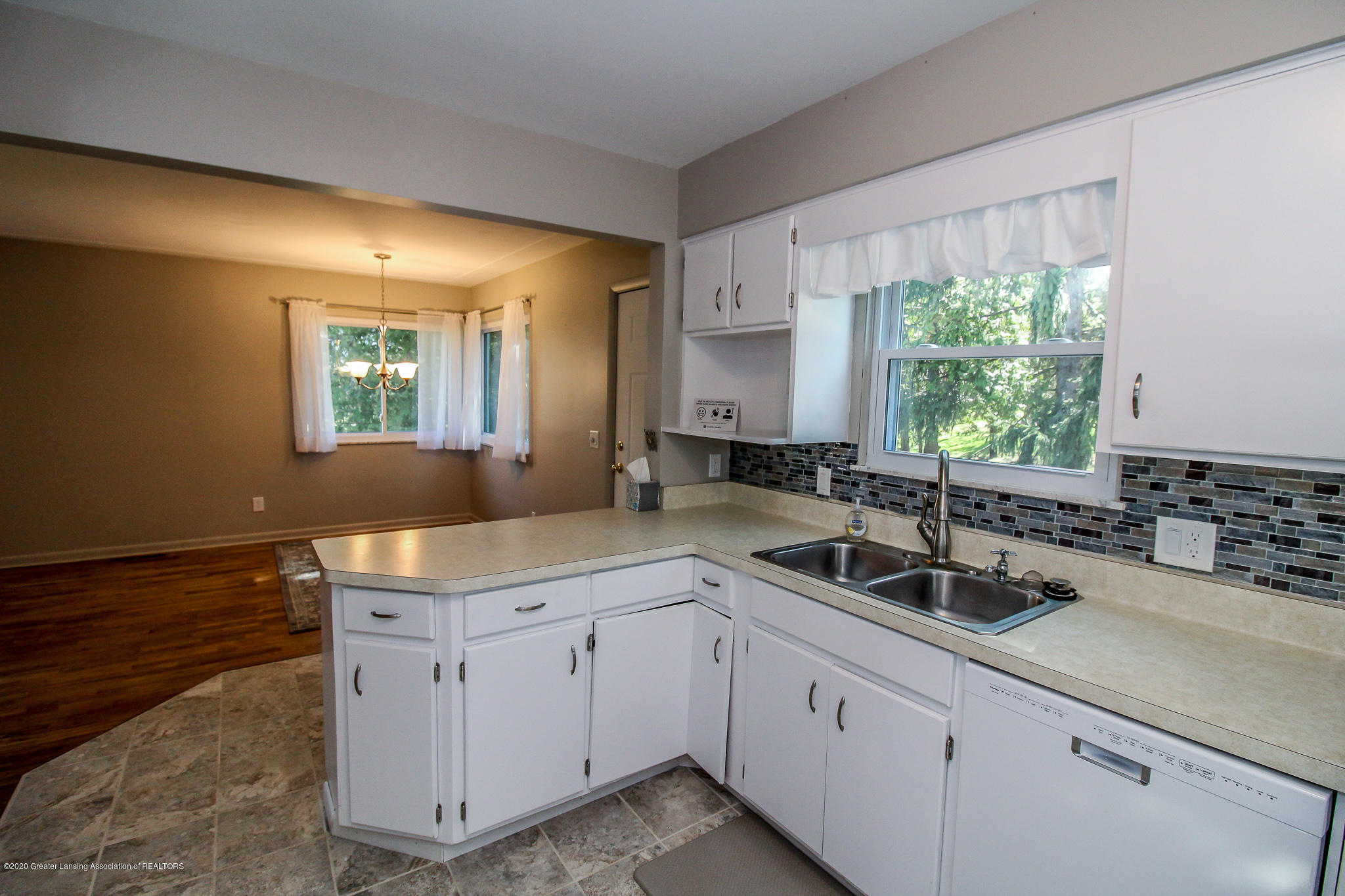 13259 Allen St - Kitchen - 19