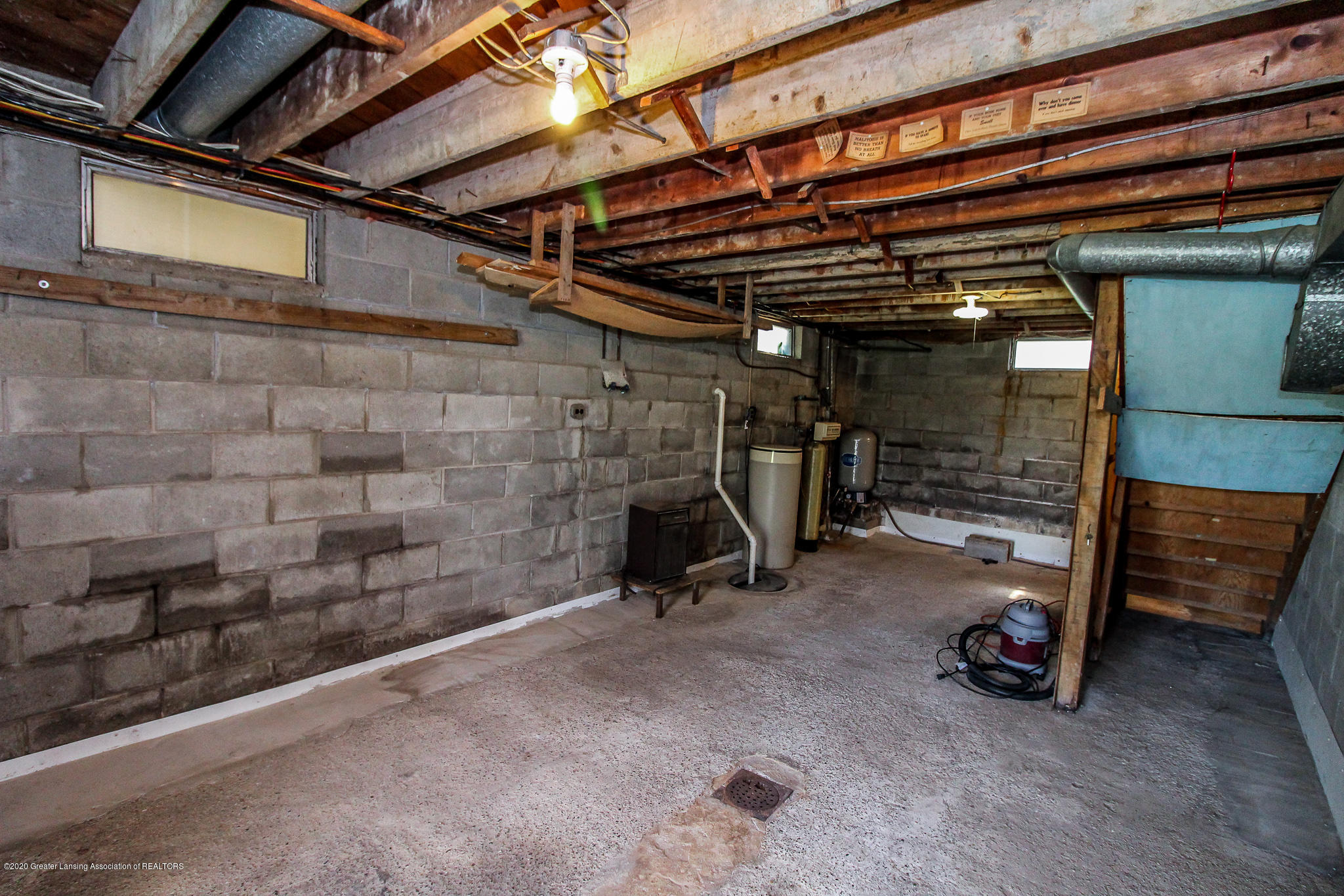 13259 Allen St - Lower Level Utility Room - 33