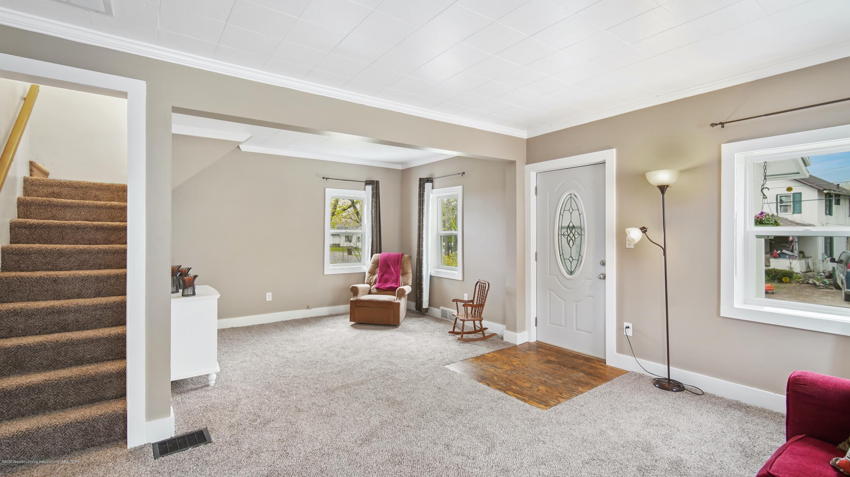 411 S River St - Living Room - 3