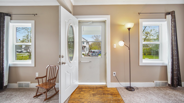 411 S River St - Front Door - 5
