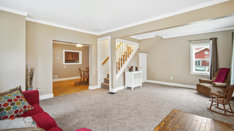 411 S River St - Living Room - 6