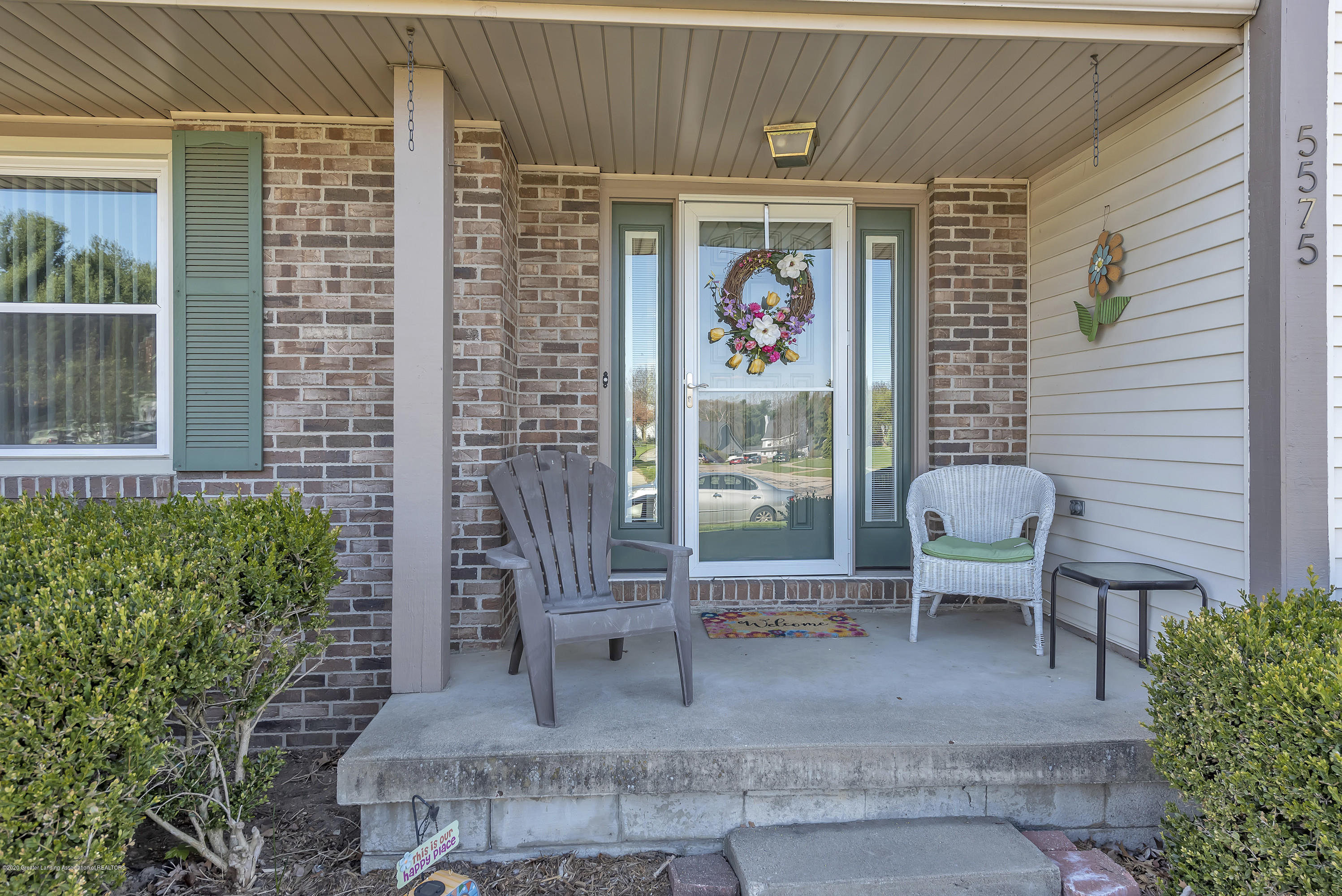 5575 Canoga Ln - Front Porch - 3