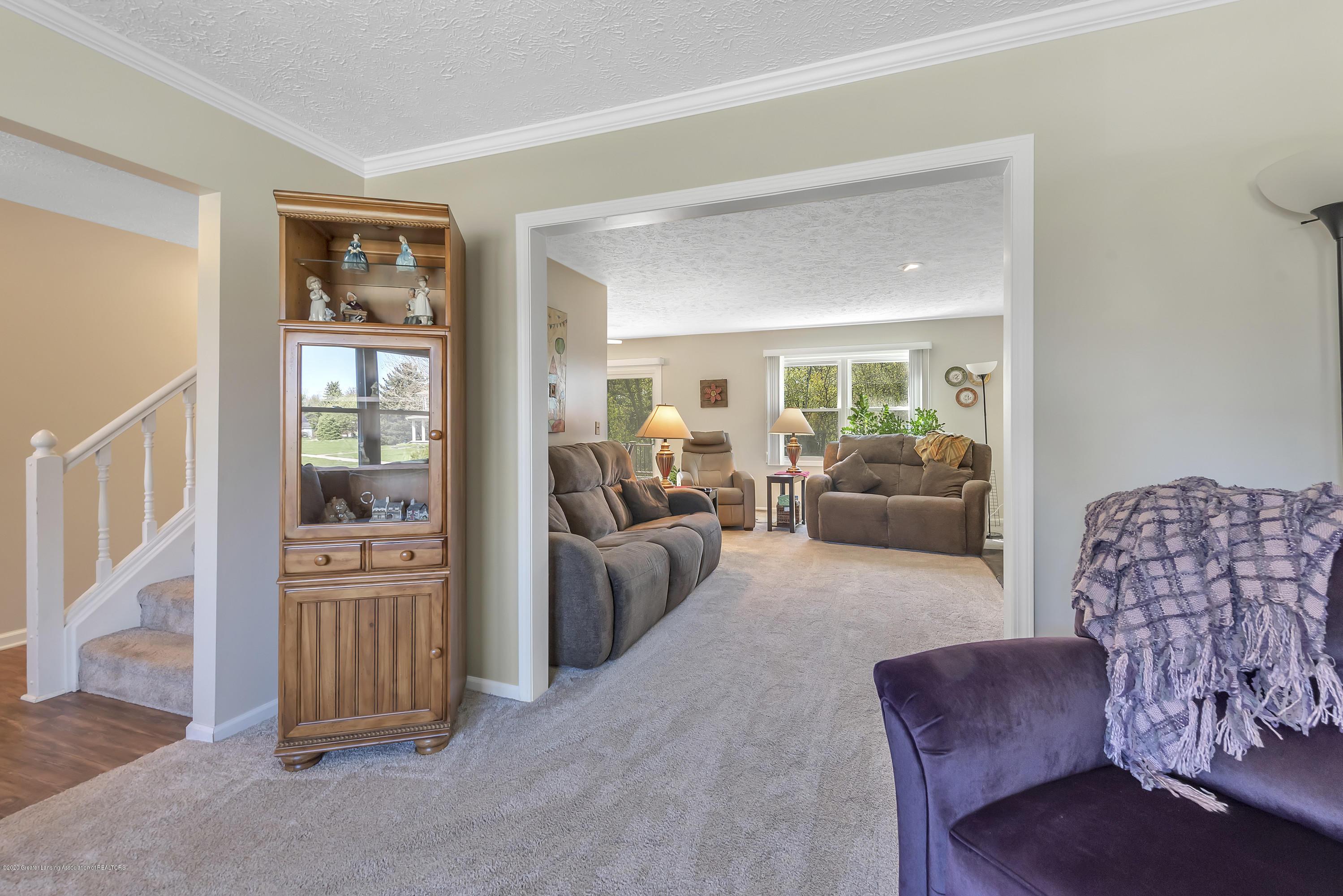 5575 Canoga Ln - Living Room - 7