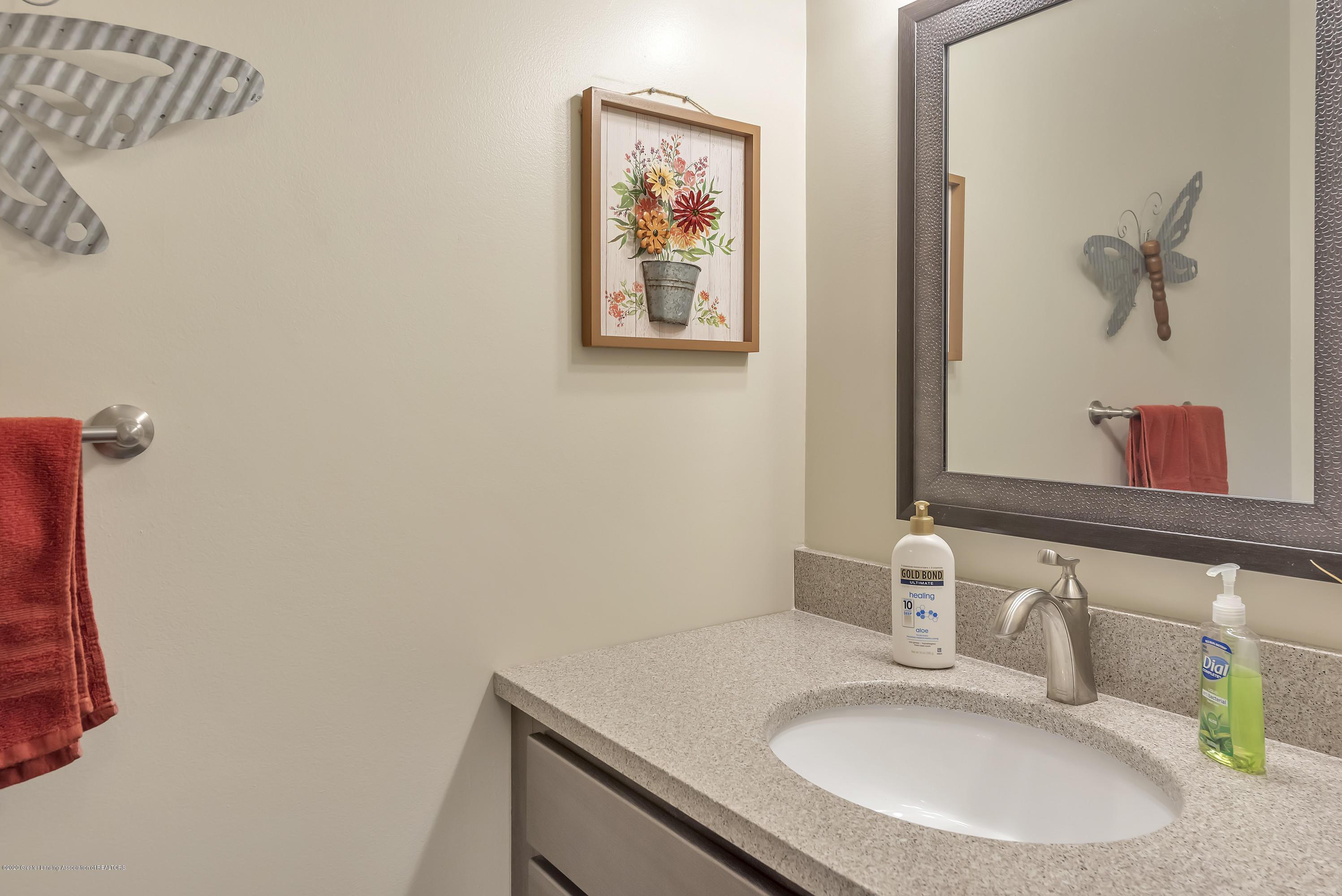 5575 Canoga Ln - Half Bath - 16