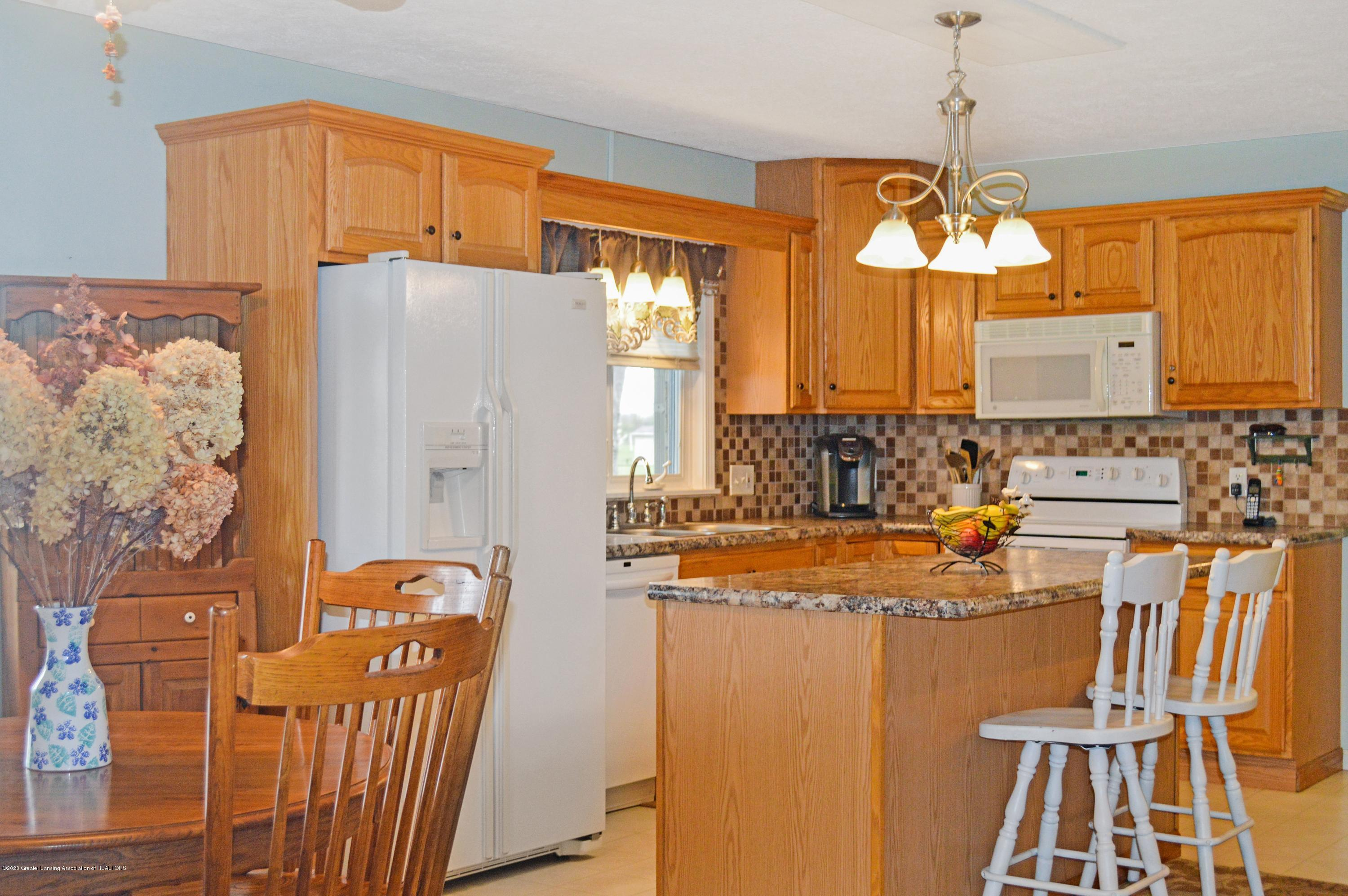 1636 S Lansing St - Kitchen - 6