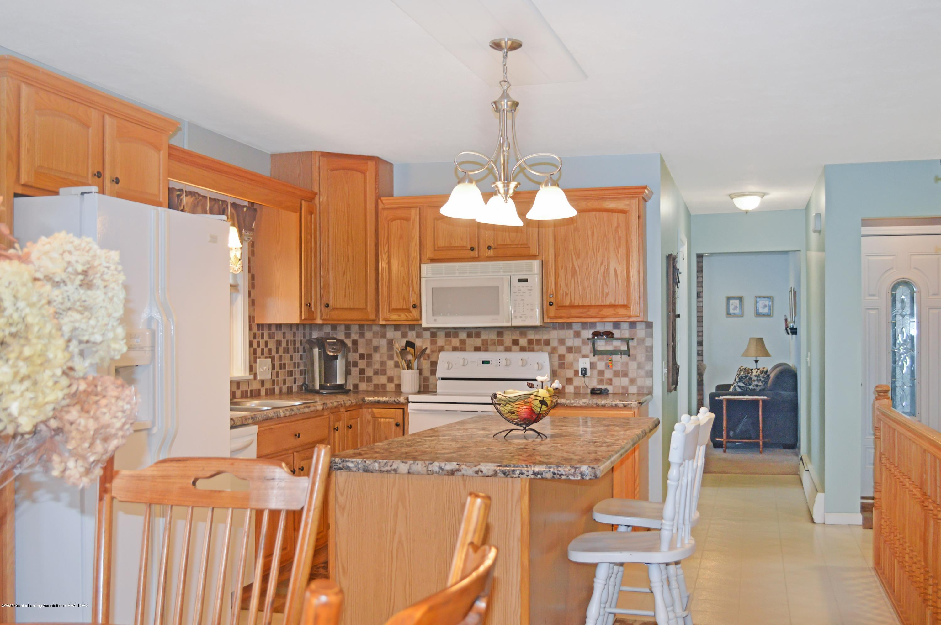 1636 S Lansing St - Kitchen - 8