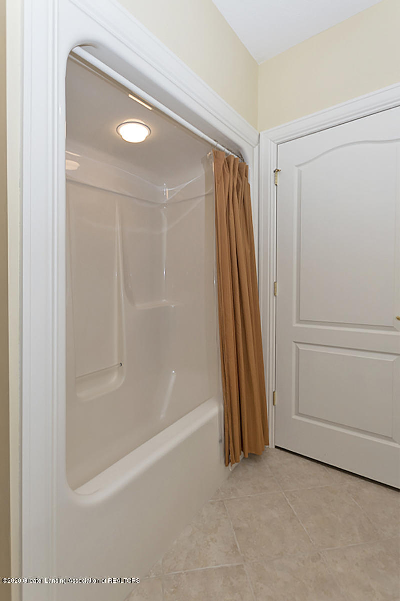 6193 Heathfield Dr - 6193 Heathfield lower level bath shower - 36