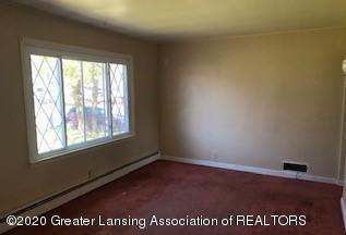 726 Sanford Ave - living room - 3