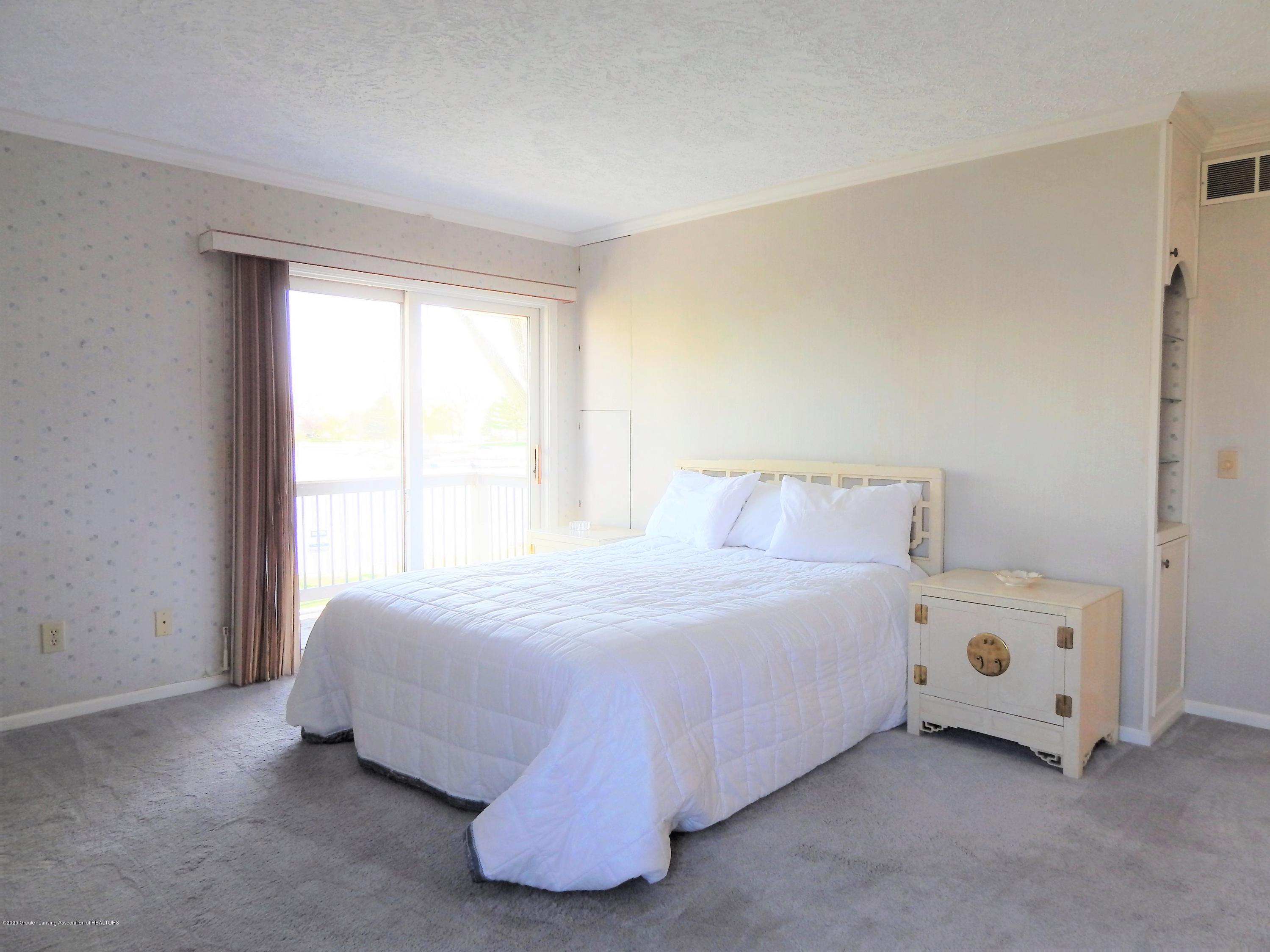 9283 W Scenic Lake Dr - Master Bedroom - 27
