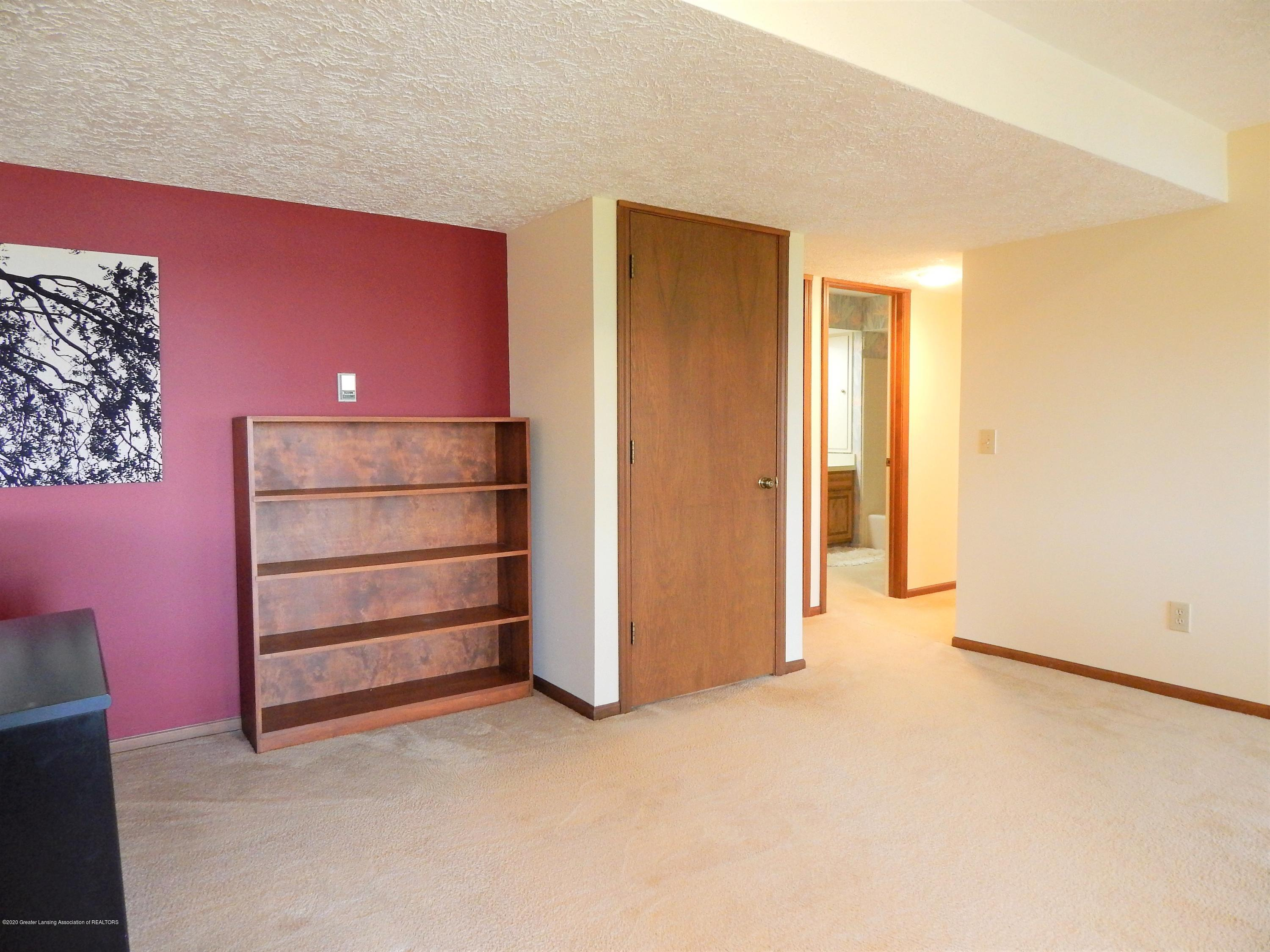 9283 W Scenic Lake Dr - Lower Level - 40