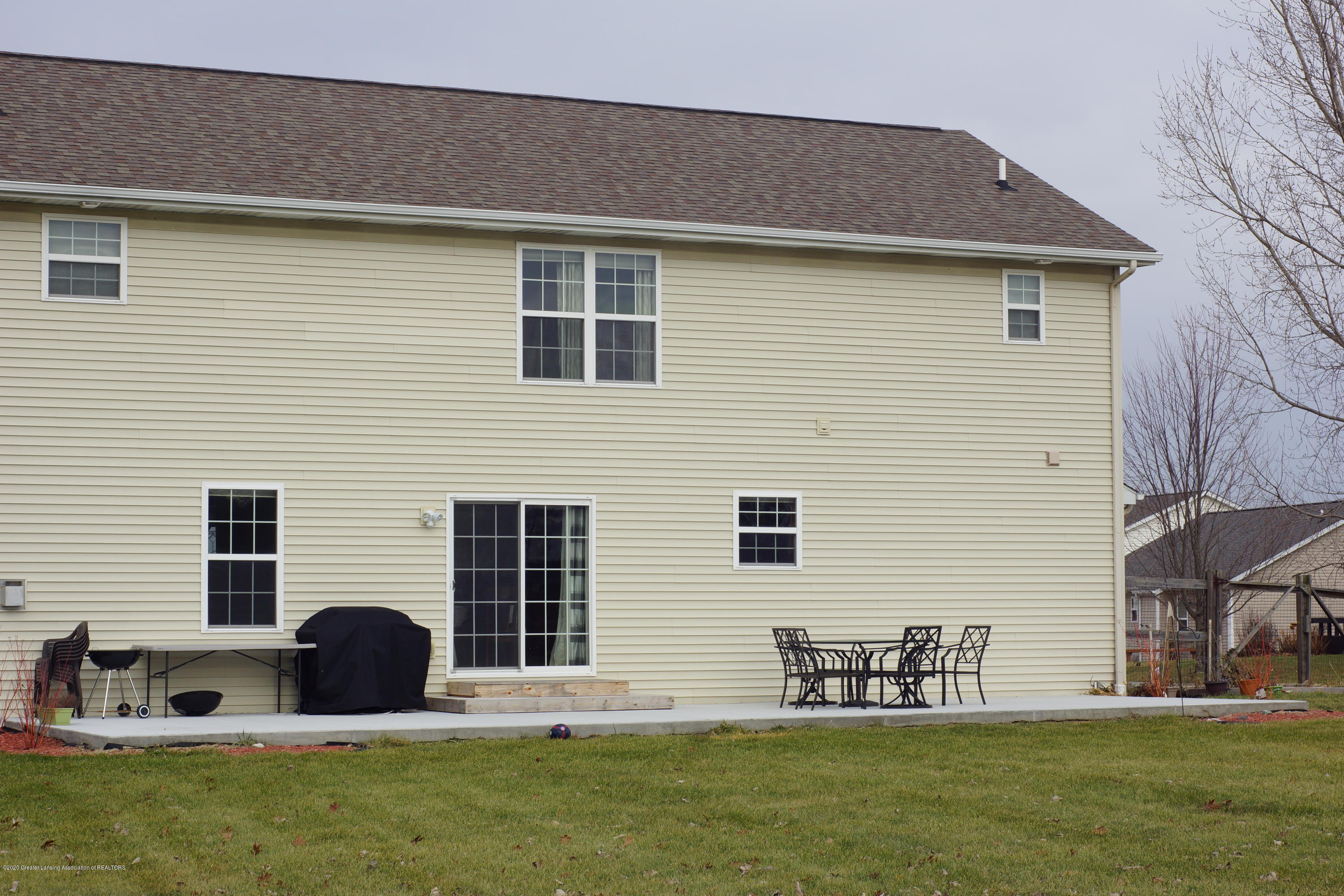 1806 Nightingale Dr - Exterior Rear - 48