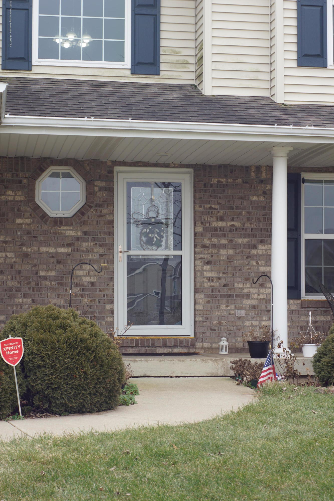 1806 Nightingale Dr - Front Entrance - 51