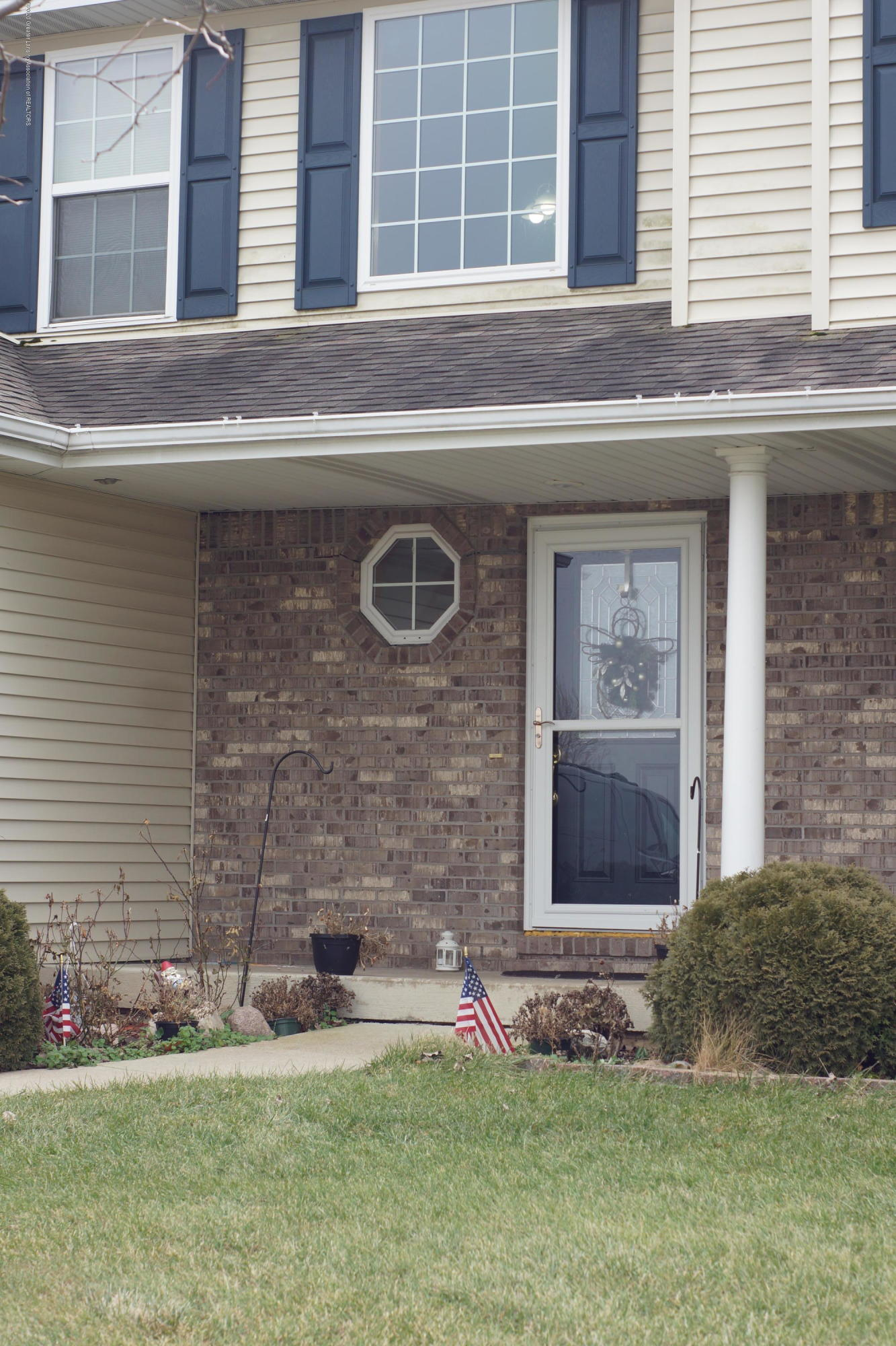 1806 Nightingale Dr - Front Entrance - 52
