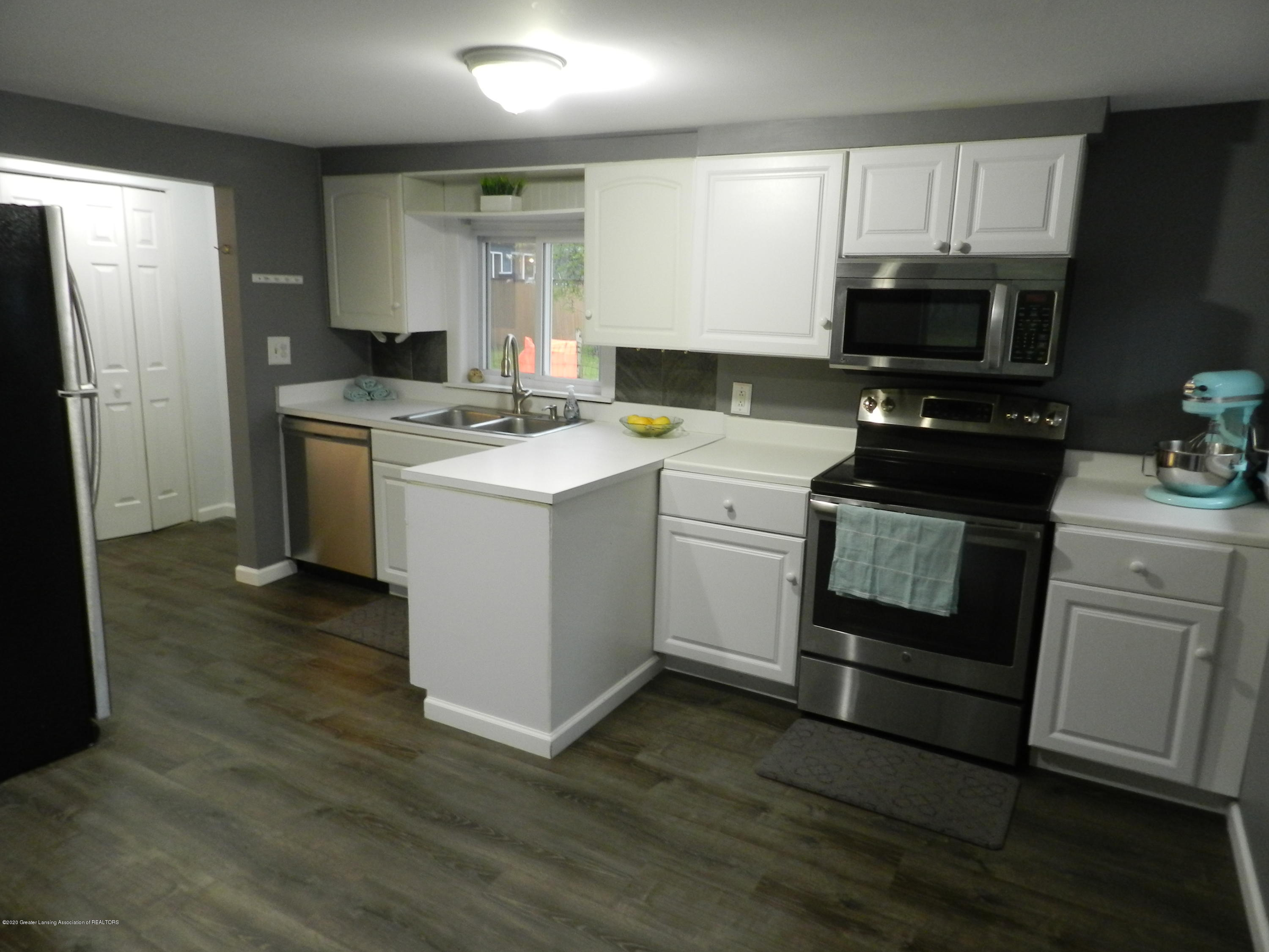 6130 Porter Ave - Open kitchen - 10