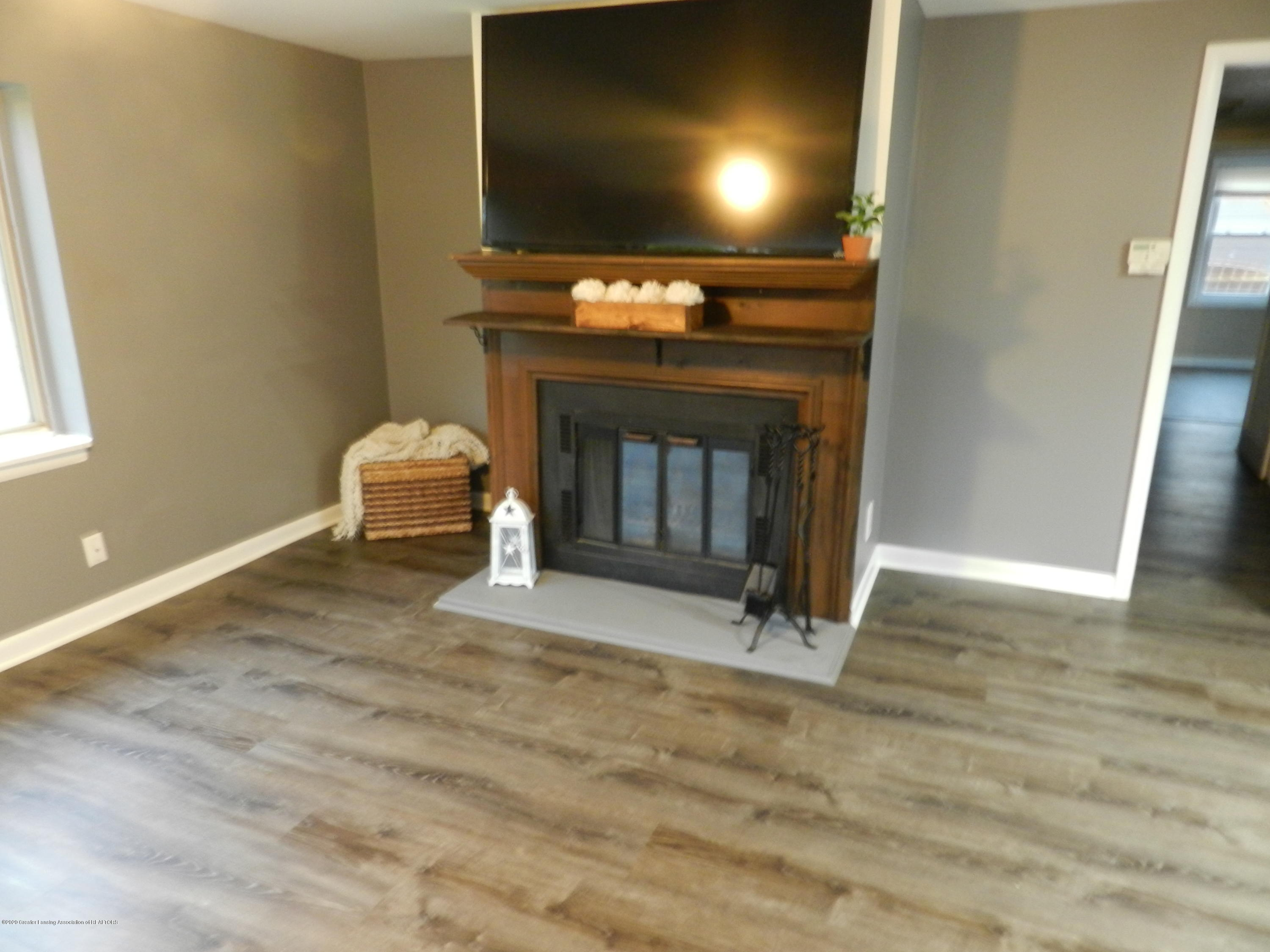6130 Porter Ave - Living area - 8