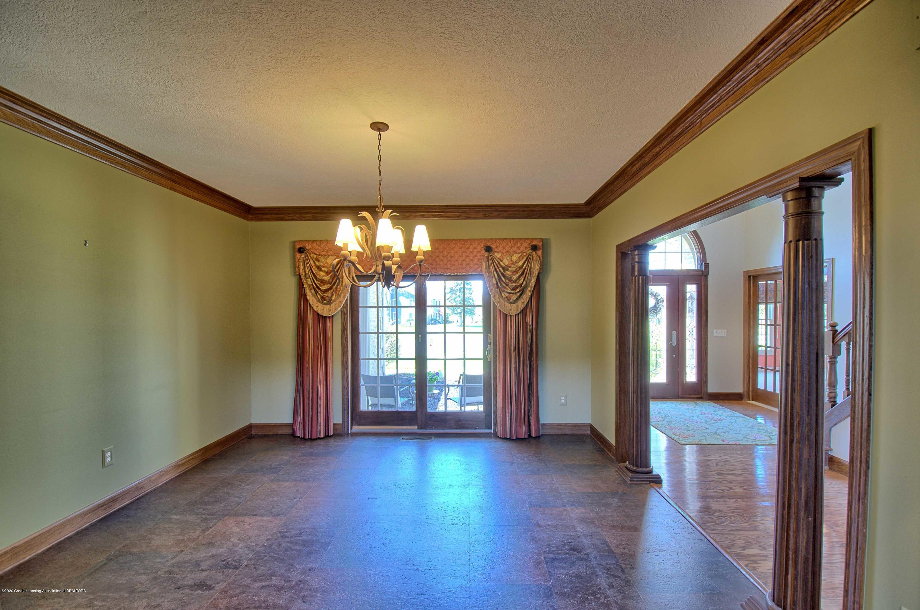 2615 Hummingbird Ln - DINING ROOM - 8