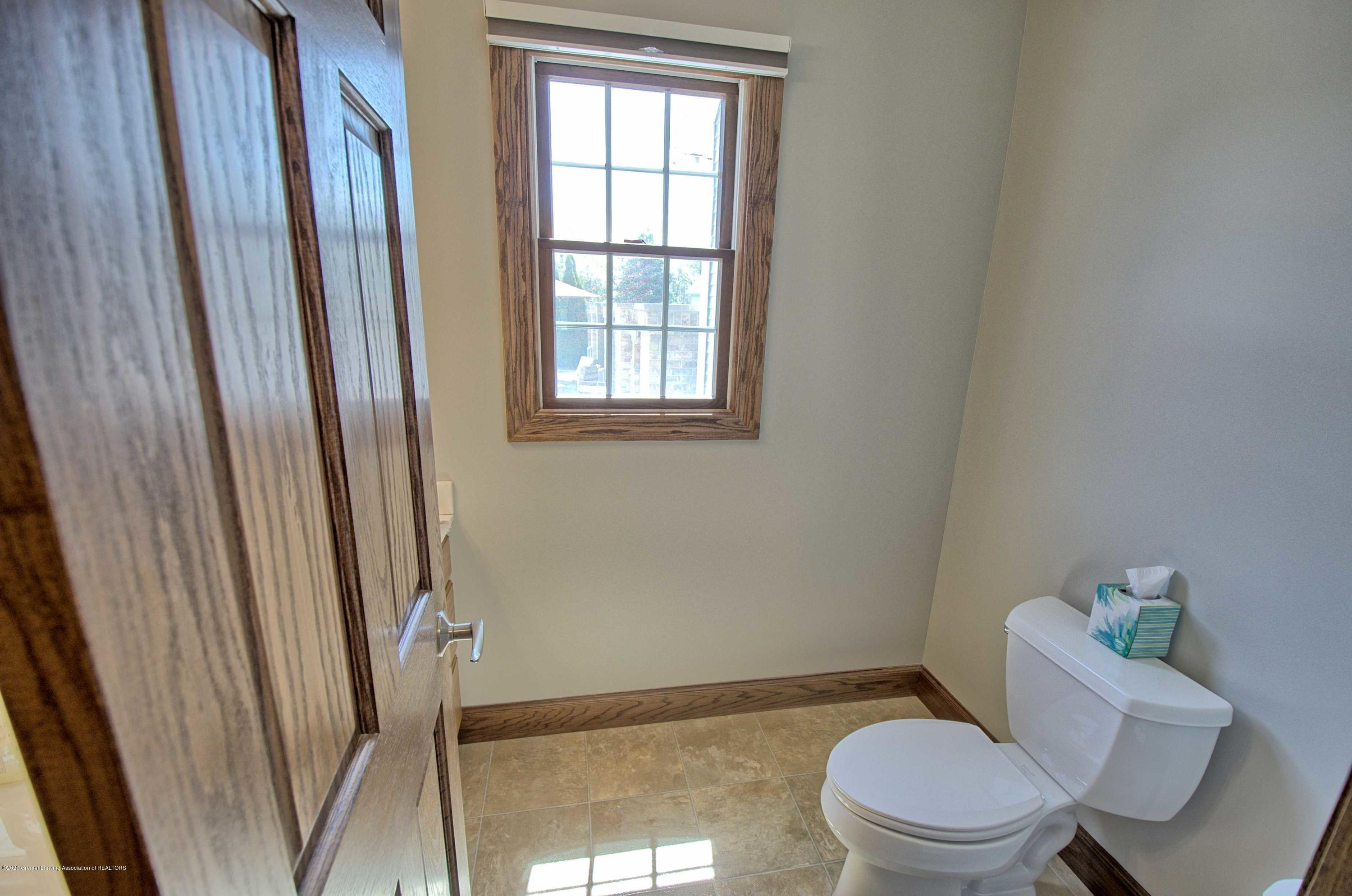 2615 Hummingbird Ln - 1ST FLOOR HALF BATH - 23