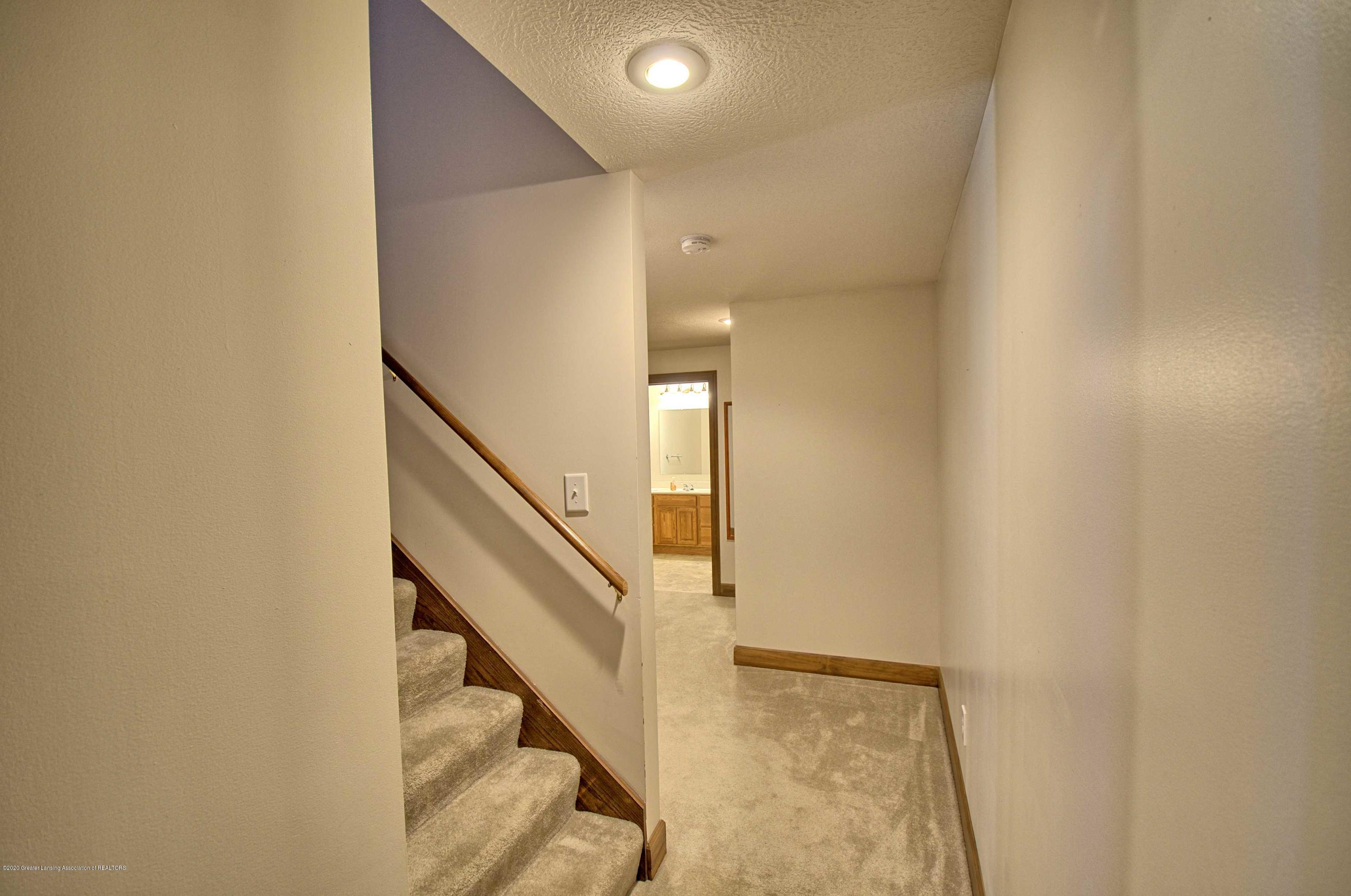 2615 Hummingbird Ln - STAIRS TO LOWER LEVEL - 37