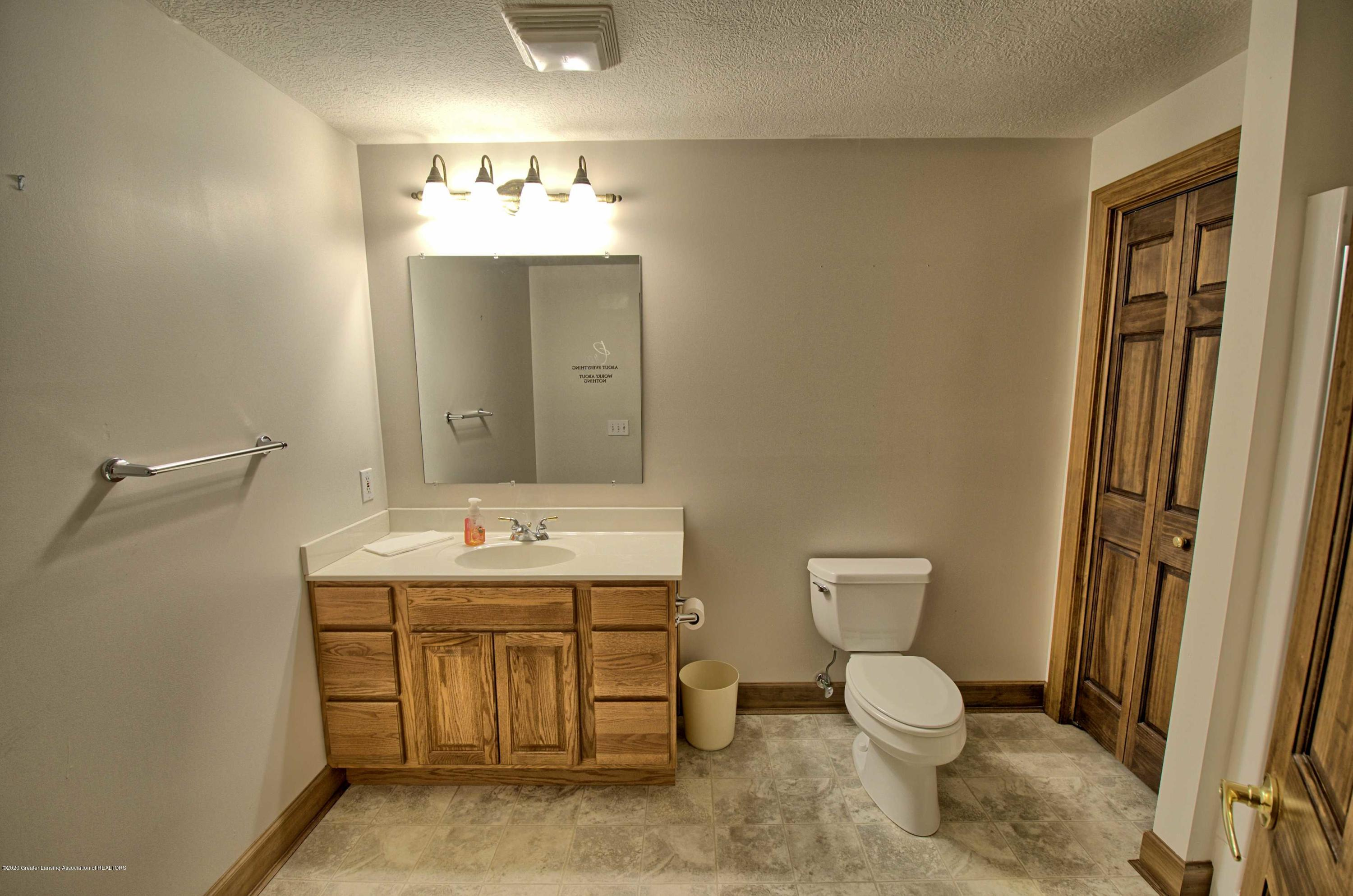 2615 Hummingbird Ln - LOWER LEVEL BATHROOM - 43