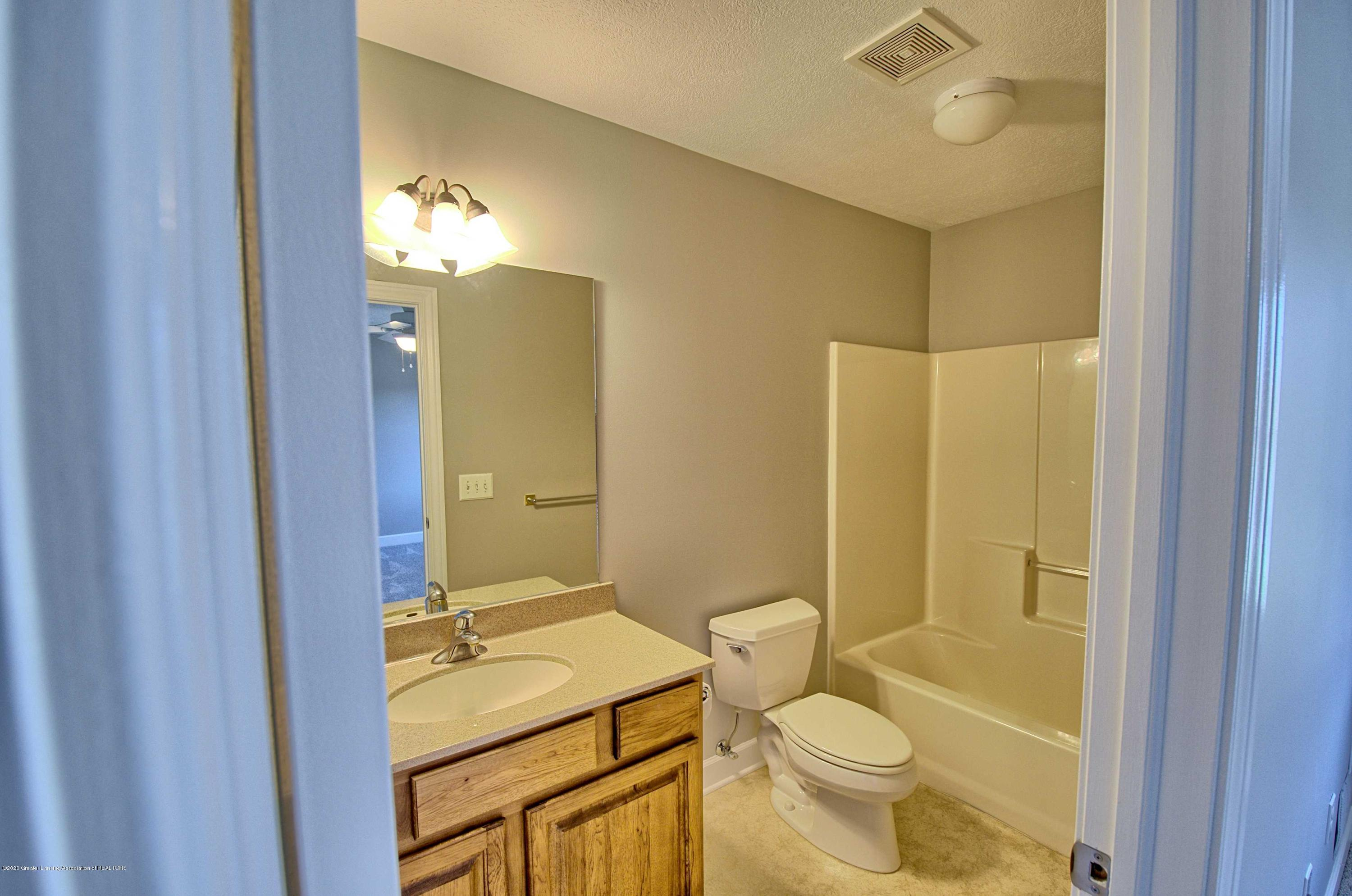 2615 Hummingbird Ln - BATHROOM - 27