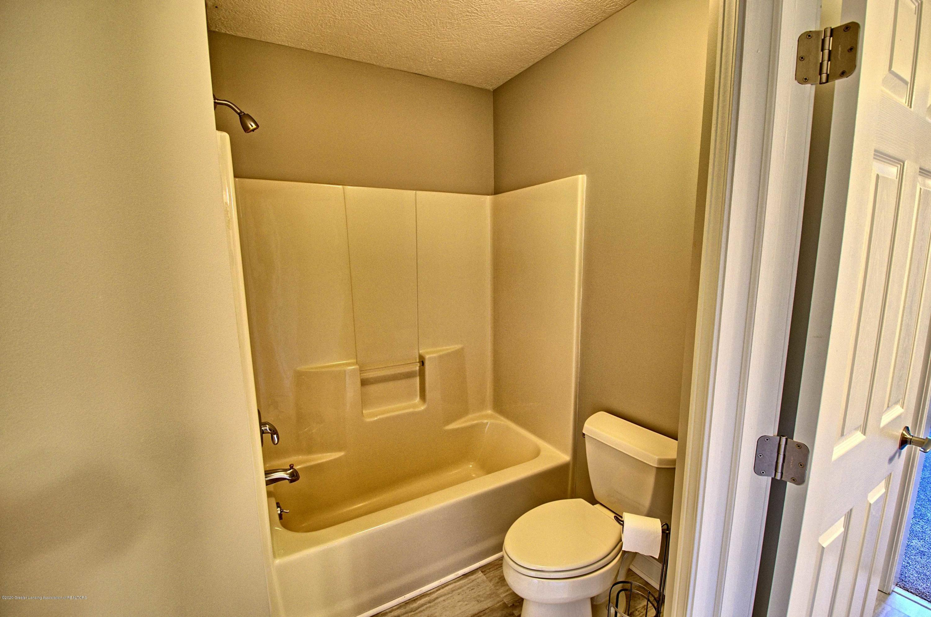 2615 Hummingbird Ln - JACK AND JILL BATH - 30