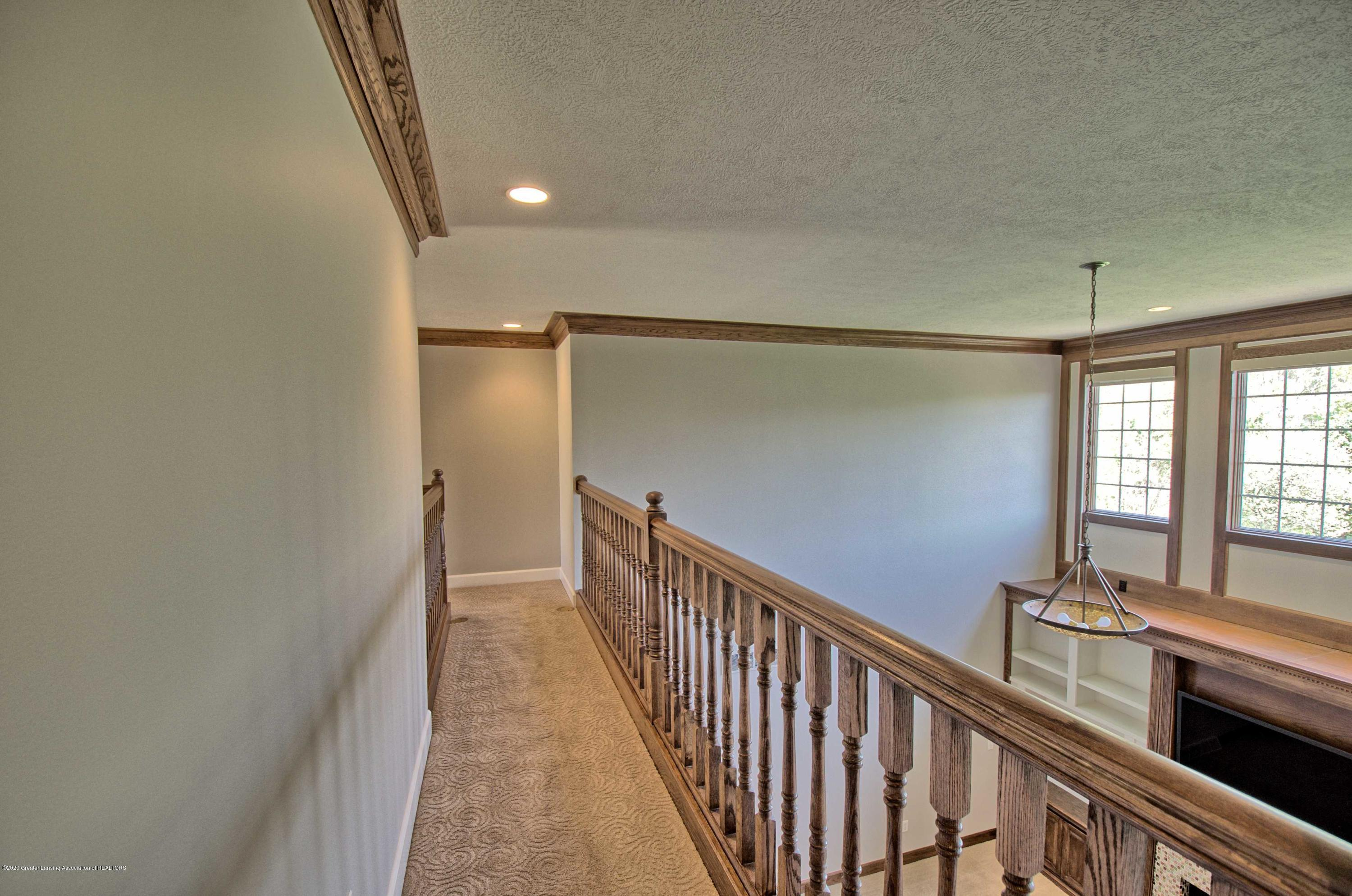 2615 Hummingbird Ln - UPSTAIRS HALLWAY - 25