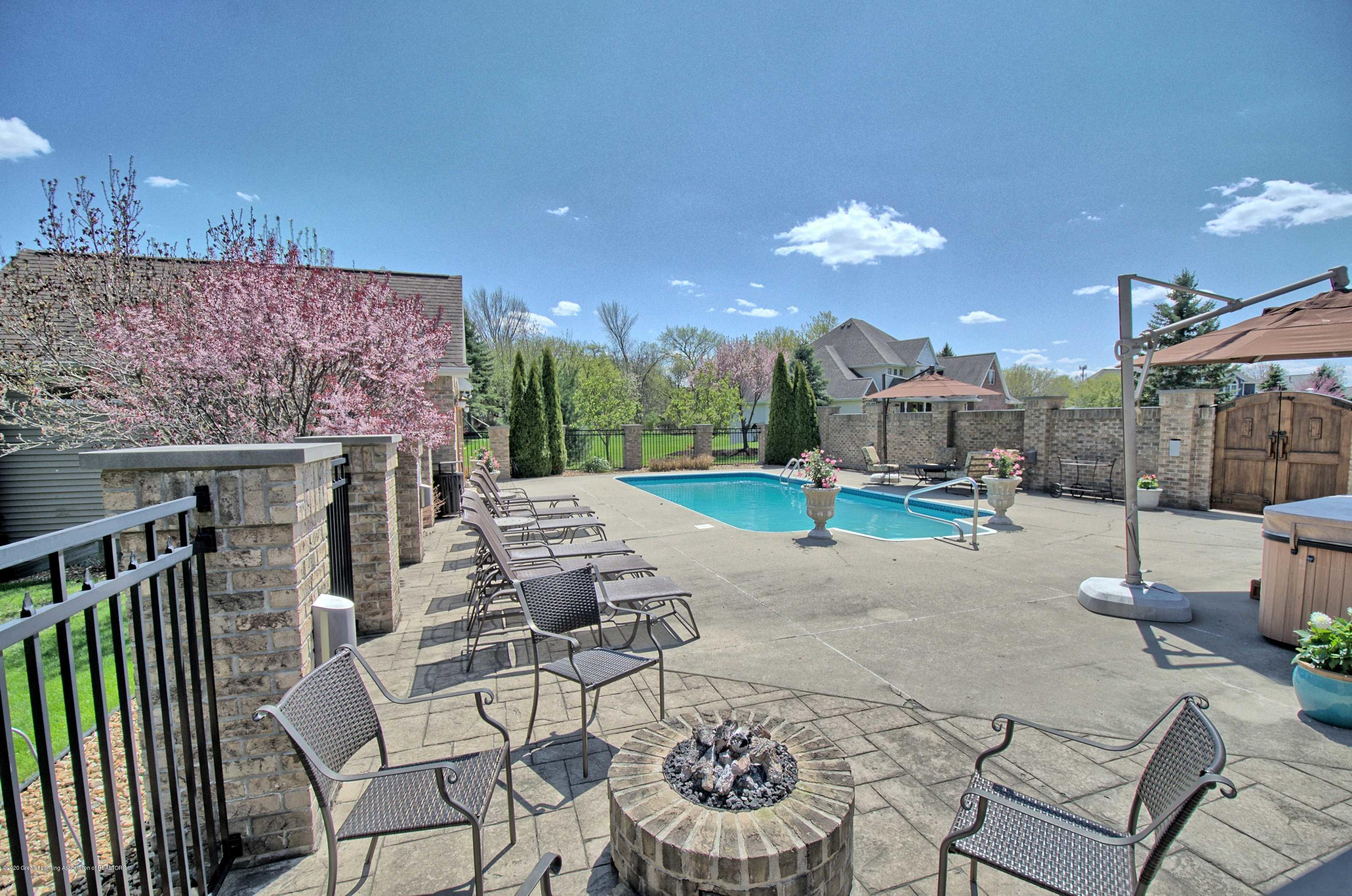 2615 Hummingbird Ln - DECK/PATIO - 50