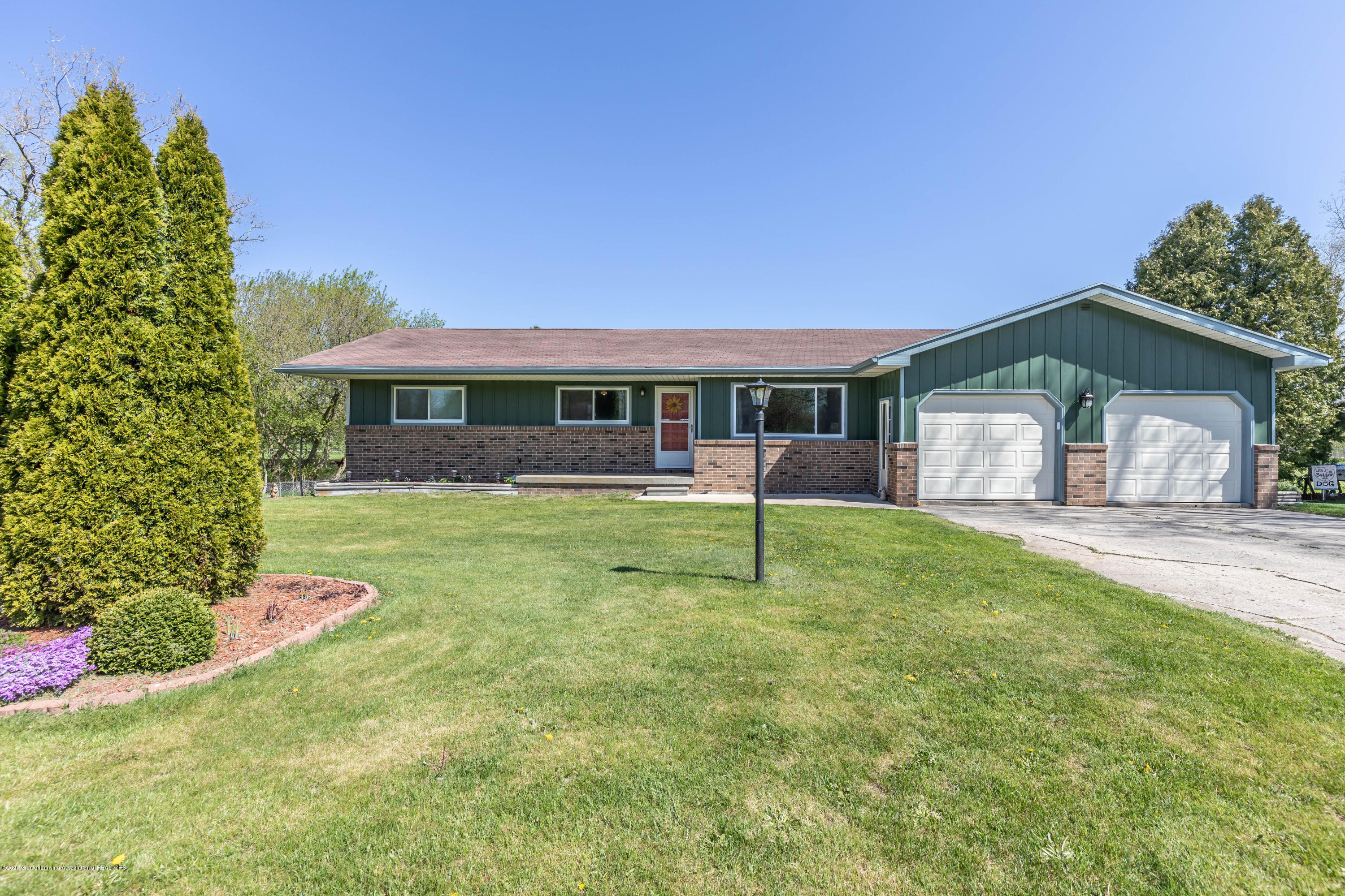 3586 W Howell Rd - howellfront2 (1 of 1) - 1
