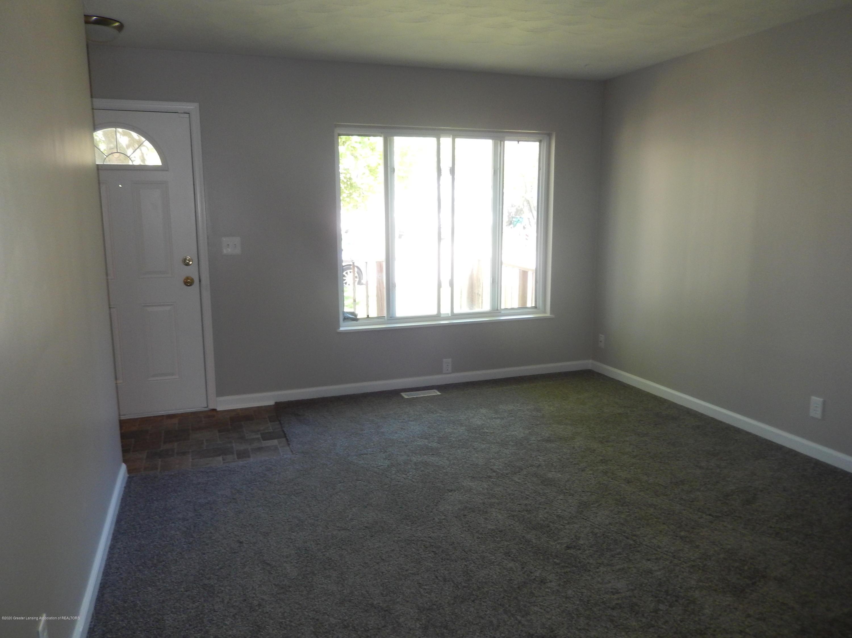 6020 Daft St - Front Room - 2