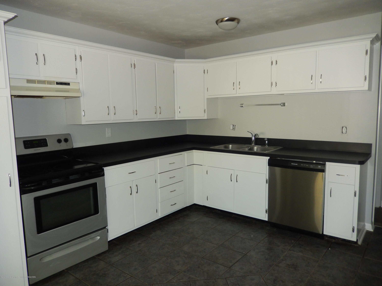 6020 Daft St - Kitchen - 3