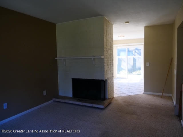 13035 Apple Tree Ln - Family Room - 9