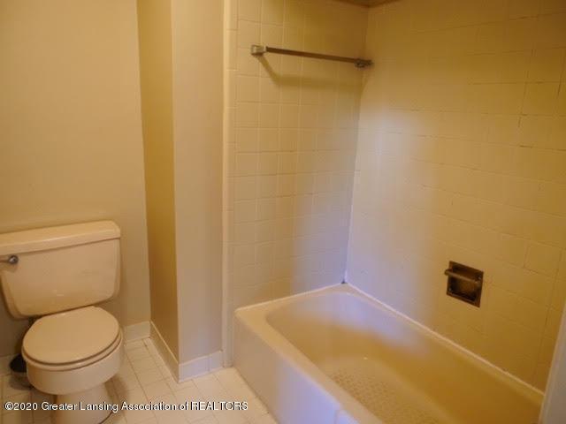 13035 Apple Tree Ln - Master Bathroom - 14
