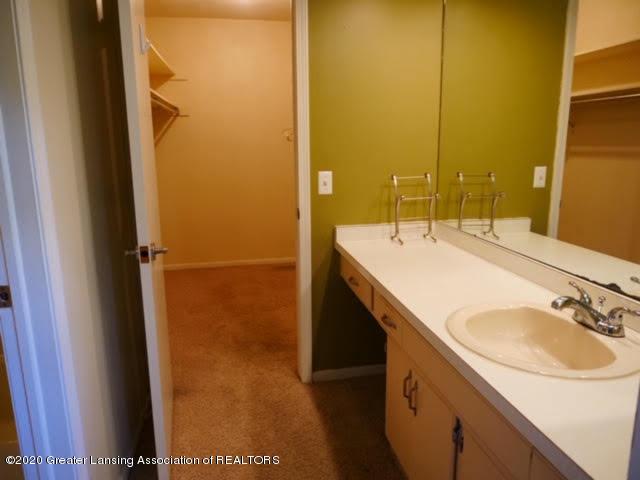 13035 Apple Tree Ln - Master Bathroom - 11