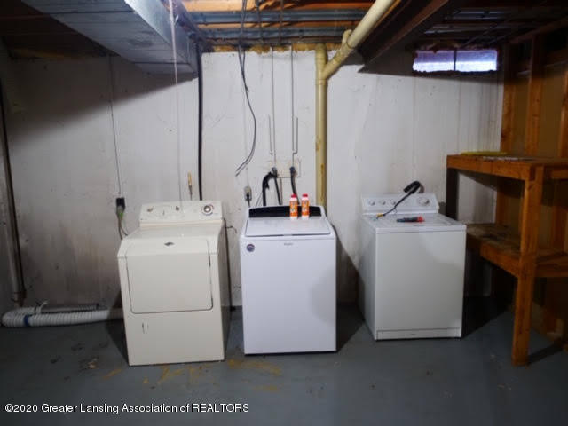13035 Apple Tree Ln - Washer and Dryer - 19