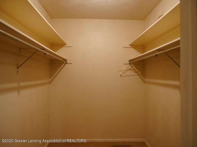 13035 Apple Tree Ln - Master Closet - 12