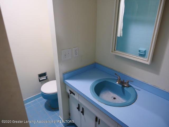 13035 Apple Tree Ln - Full Bathroom Upstairs - 15